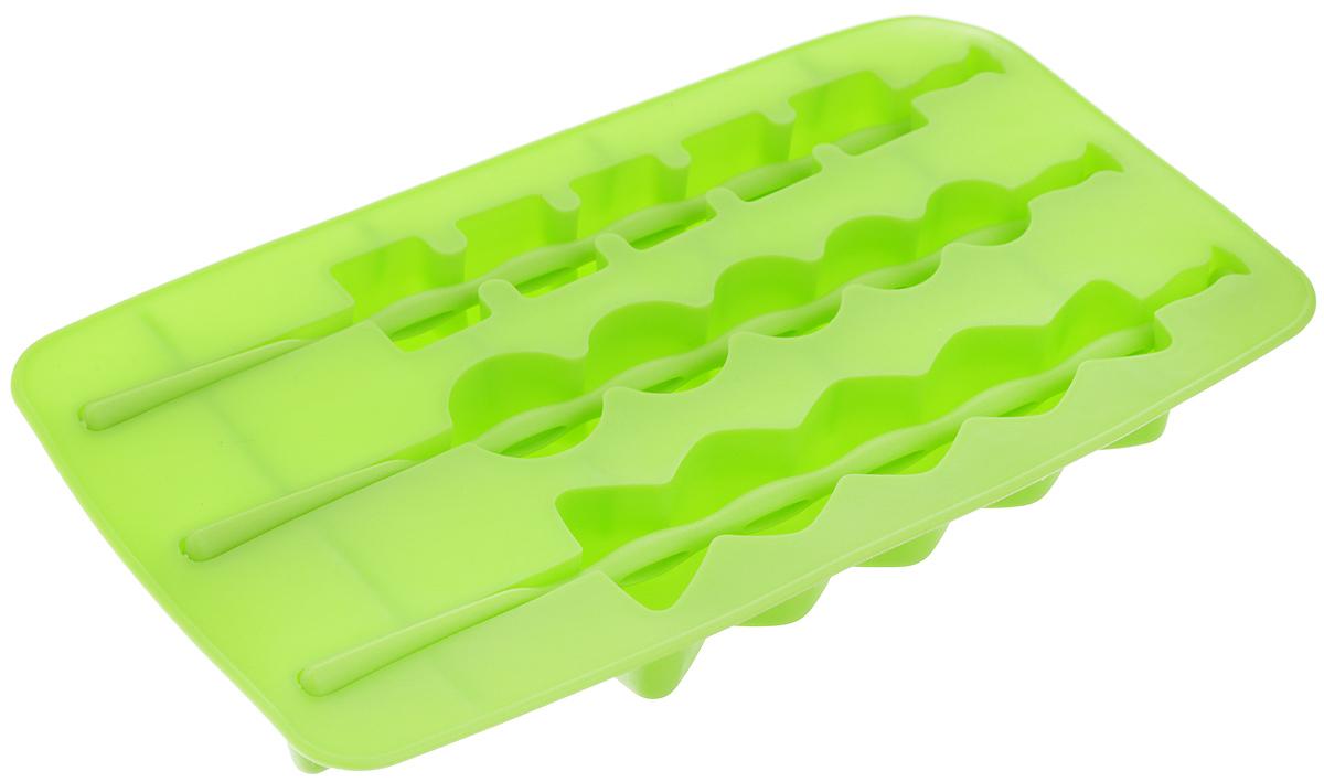 Форма для льда Fackelmann, на палочке, цвет: салатовый, 3 ячейки49392_салатовыйФорма Fackelmann выполнена из силикона и предназначена для приготовления льда на палочке. В комплект входят палочки для льда. Теперь на смену традиционным квадратным пришли новые оригинальные формы для приготовления фигурного льда, которыми можно не только охладить, но и украсить любой напиток. В формочки при заморозке воды можно помещать ягодки, такие льдинки не только оживят коктейль, но и добавят радостного настроения гостям на празднике! Можно мыть в посудомоечной машине. Размер формы: 20 х 11 х 2 см. Средний размер ячейки: 18,5 х 2,5 х 2 см. Количество ячеек: 3 шт. Количество палочек: 3 шт.