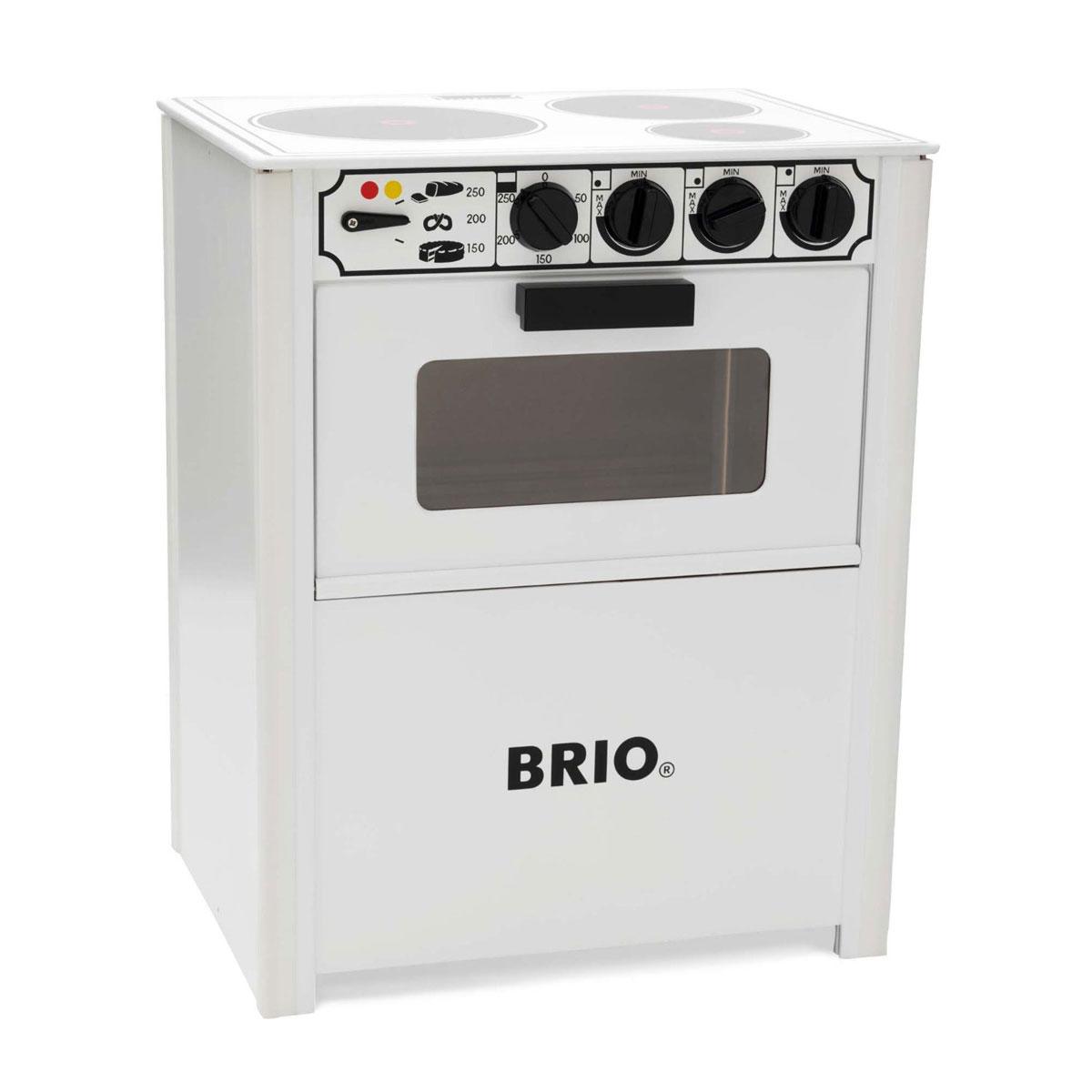 Brio Игрушечная кухонная плита31357Игрушечная кухонная плита Brio предназначена для юных поваров, которые с малых лет проявляют особый интерес к процессу готовки. Плита создана в качестве уменьшенной копии своего реального прототипа. Она оснащена открывающимся духовым шкафом, тремя электрическими конфорками и множеством дополнительных регуляторов. Игрушка обязательно впечатлит любого малыша и заставит придумывать различные способы приготовления блюд. В последующем ребенку будет легче обучиться использованию настоящей домашней плиты.