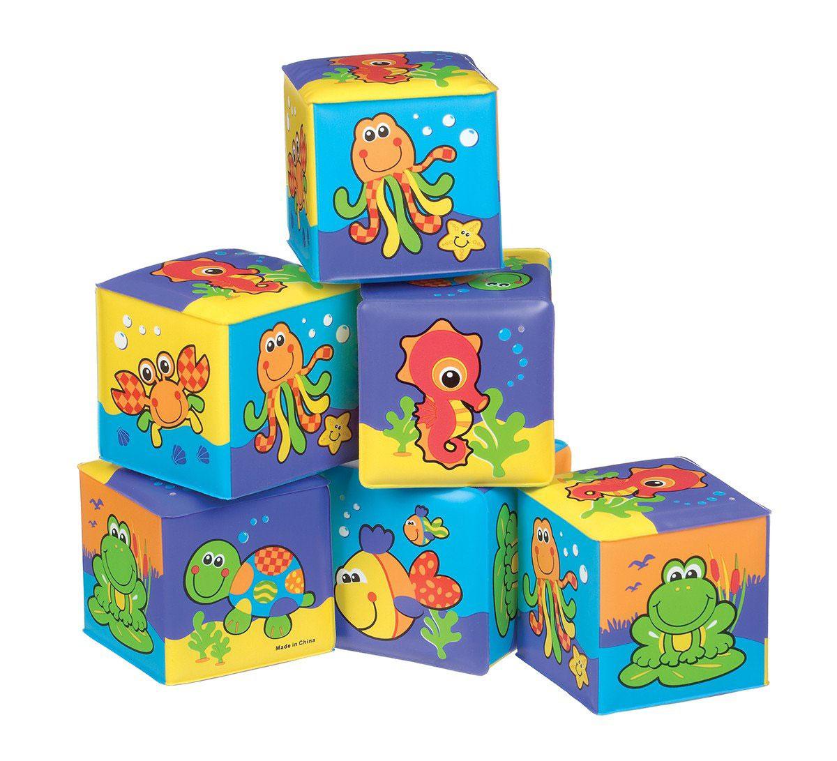 Playgro Набор игрушек для ванной Кубики 6 шт0181170Набор игрушек для ванной Playgro Кубики - это уникальный набор из шести мягких кубиков, которые познакомят вашего ребенка с окружающим миром. Яркие и привлекательные кубики имеют удобный для руки ребенка размер и комбинированную расцветку. Каждая грань кубика - это яркая картинка с животным, имеющим отношение к водному миру: рыбка, осьминог, морская черепаха, лягушка и морской конек. Кубики изготовлены из высококачественного материала, что делает их абсолютно безопасными в игре. Удачно подобранный размер и цвет развивают мышление, координацию движений и совершенствуют моторику нежных пальчиков малыша.