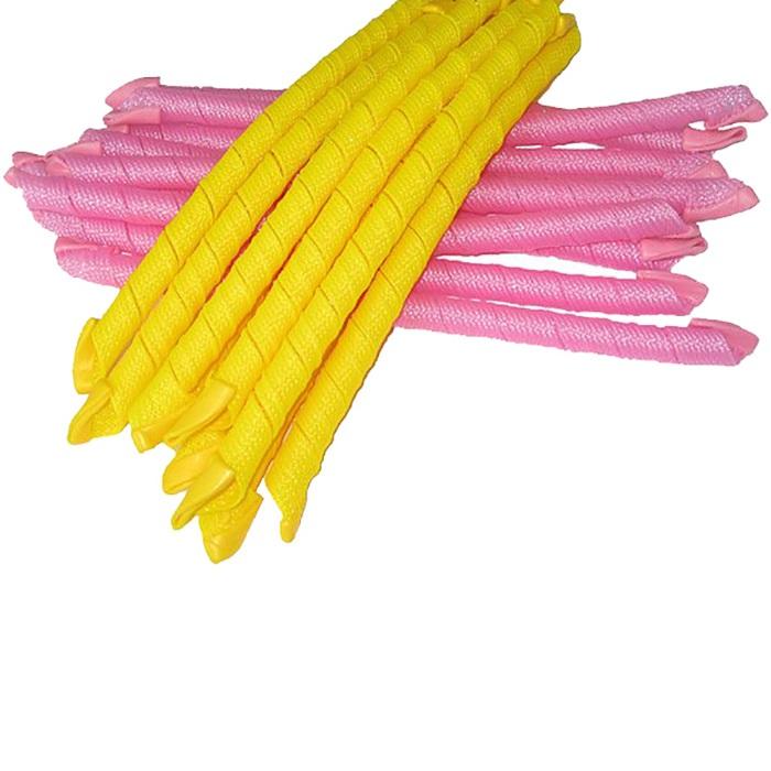 Magic Leverage Волшебные бигуди Узкие длинные 50 см, 18 штУД50Для любительниц мелких кудряшек. Создают большой объем, обеспечивают бережное отношение к волосам, легки в использовании. В упаковке 18 цветных бигуди, длиной 50 см (в развернутой виде), диаметр 1,5 см и специальный крючок. Закручивают в разные стороны, по и против часовой стрелки. Качественная пластмасса, мягкие резиновые наконечники. Проденьте складной крючок, зацепите влажные волосы и протащите крючок обратно. Расправьте прядь и отпустите бигуди. Она закрутится в спираль и надежно зафиксируется на локоне: силиконовые наконечники не дадут ей сползти и испортить прическу. Характеристики: Длина: 50 см Ширина локона: 2 см Диаметр завитка: 1,5 см Количество: 18 шт. Крючок: двойной Упаковка: косметичка