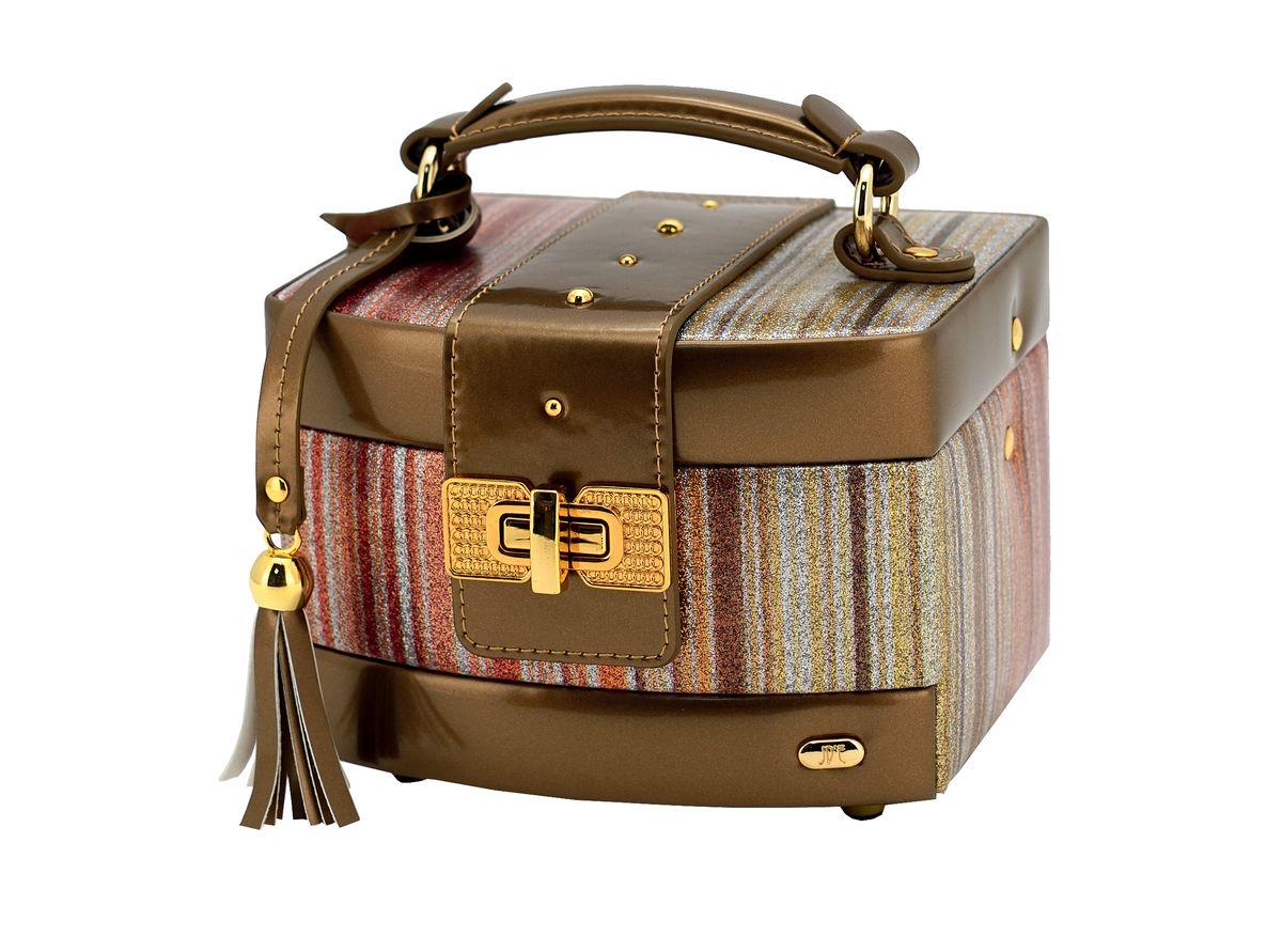 Шкатулка для украшений Jardin DEte, цвет: бронзовый, золотистый. P6095P6095Одним из необходимых аксессуаров на туалетном столике любой женщины являются шкатулки для украшений. Шкатулки JARDIN DETE — идеальны для хранения драгоценностей, а также других мелких вещей .Современные формы, дизайн, отделка, разнообразие цветовых решений не оставят равнодушной ни одну модницу. Коллекция шкатулок для ювелирных украшений включает в себя более двадцати моделей, представленных в различных цветовых решениях. Особенности: 2 отделения (5 секций, держатели для колец), выдвижной ящичек, зеркало.