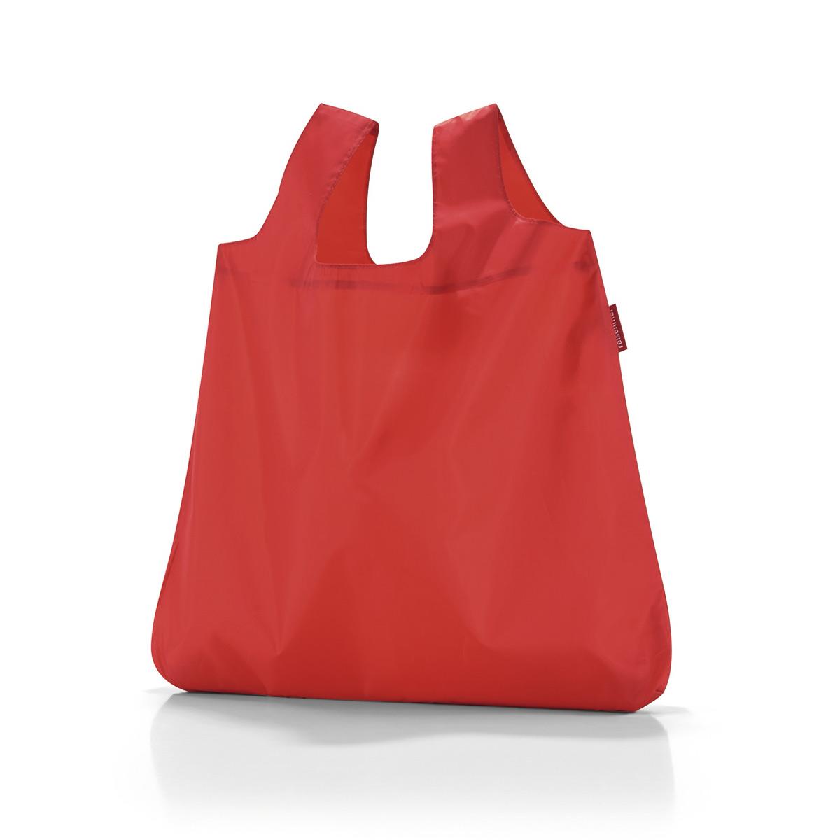 Сумка складная женская Reisenthel Mini maxi shopper red, цвет: красный. AO3004AO3004В европейских странах люди давно отказались от одноразовых пластиковых пакетов ради сохранения окружающей среды. Так что абсолютно все ходят за продуктами с авоськами, одна другой симпатичнее. Последуем их примеру, тем более, что такая сумка может складываться в компактный чехольчик, который поместится куда угодно. Она вседа с вами. Объем - 15 литров. Удобные широкие ручки. Размер в сложенном состоянии - 10,5 х 5 х 2 см.