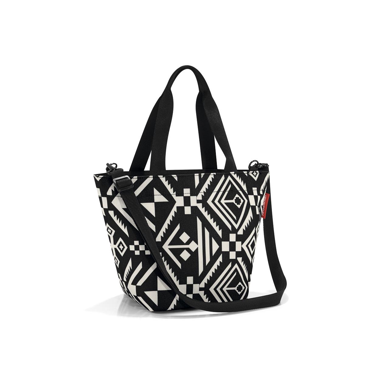 Сумка женская Reisenthel Shopper XS hopi, цвет: черный. ZR7034ZR7034Симпатичная сумка для повседневного использования: широкие удобные лямки для переноски в руках и удобный плечевой ремешок с регулируемой длиной, который можно отстегнуть.Объем 4 литра позволяет вместить все необходимые мелочи. Застегивается на молнию. Внутри - кармашек на молнии.