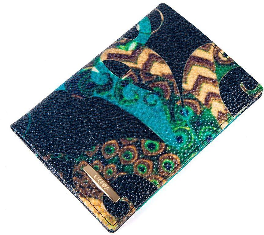Обложка Labbra L047-0011 multicolor-d.blueL047-0011Обложка для документов торговой марки LABBRA из натуральной кожи. Модель имеет 3 отделения для кредитных карт.