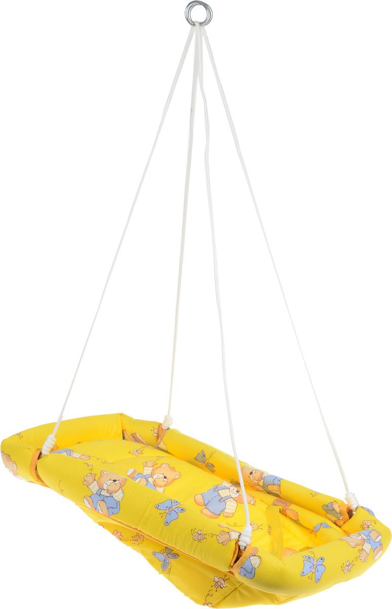 Фея Качели-гамак Комфорт Мишки и пчелы цвет желтый4258_мишки, пчелыКачели-гамак Фея Комфорт. Мишки и пчелы - небольшое уютное местечко для малыша. Качели предназначены для развлечения и отдыха детей в возрасте от 6 месяцев до трех лет. Гамак выполнен из 100% хлопчатобумажной ткани. Имеет мягкое сиденье и оснащен ремнями безопасности. Бортики гамака защищены мягким наполнителем. Малыш уютно и безопасно будет располагаться в сиденье. Легкие покачивания успокаивают и веселят его. Прочный материал выдержит как маленького, так и подросшего кроху. Гамак подвешивается с помощью небольших тросов на металлические кольца. Его можно легко сложить, при хранении не занимает много места. Можно подвешивать как дома, так и на природе. Не допускайте перегрузки качелей свыше 20 кг.