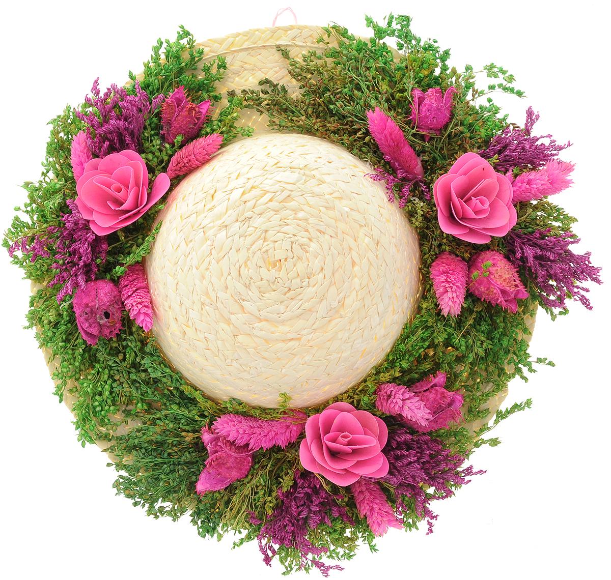 Декоративное настенное украшение Lillo Шляпа с цветами, цвет: светло-бежевый, зеленый, розовыйAF 03127_розовыйДекоративное подвесное украшение Lillo Шляпа с цветами выполнено из натуральной соломы и украшено сухоцветами. Такая шляпа станет изящным элементом декора в вашем доме. С задней стороны расположена петелька для подвешивания. Такое украшение не только подчеркнет ваш изысканный вкус, но и станет прекрасным подарком, который обязательно порадует получателя.