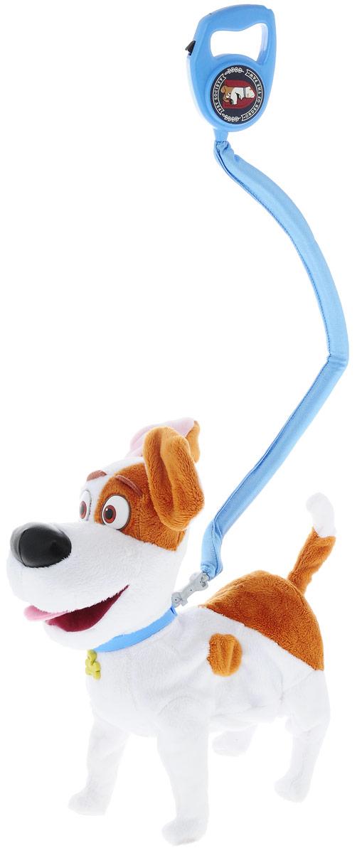 Secret Life of Pets Мягкая озвученная игрушка Терьер Макс 28 см72822Макс - обыкновенный терьер, который живет с любимой хозяйкой Кэти, дружелюбный и преданный пес. Каждый день он сидит у входной двери, дожидаясь возвращения хозяйки и искренне радуется, когда она приходит домой. Его спокойная жизнь меняется, когда Кэти приводит домой дворнягу Дюка, взятого из собачьего приюта. Мягкая озвученная игрушка Secret Life of Pets Макс обязательно станет любимой игрушкой вашего ребенка! Макс умеет ходить и задорно вилять хвостиком, он также оснащен звуковыми эффектами. В комплект входит поводок. При нажатии кнопки на поводке, Макс произносит 15 звуков и фраз из мультфильма на английском языке. Игрушка сможет стать настоящим, верным другом для вашего ребенка, интересной и увлекательной игрушкой! Рекомендуется докупить 3 батарейки напряжением 1,5V типа АА (товар комплектуется демонстрационными).