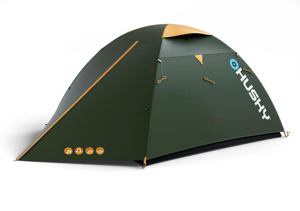 Палатка туристическая Husky BIRD 3 CLASSIC, цвет: зеленыйУТ-000046941Палатка BIRD 3 CLASSIC (НОВИНКА) Бюджетный вариант проверенной палатки BIRD с одним входом. По сравнению с основной моделью пол выполнен из армированного полиэтилена. Вы оцените скорость, с которой она может быть установлена, и ее маленький транспортный объем. Идеал для трех непривередливых туристов. Подходит для легкого пешего туризма и кемпинга Вес: 3,1 кг/ 3,5 кг Кол-во чел.: 3 Кол-во входов: 1 Высота: 125 см Длина: 300 см Ширина: 185 см Размер спальни: 210х180см Размеры в сложенном виде: 45х15 см - Ленточные швы - Застежка-молния с двойным ходом - Фибергласовые дуги (durawrap), диаметр 7,9 мм - Комфортная вентиляционная система - Наружный тент - из полиэстера 185Т, водостойкость 3000 мм.вд.ст - Внутренний тент - дышащий нейлон 190Т, противомоскитные сетки - Пол - армированный полиэтилен, водостокость 5000 мм.вд.ст Комплектация: стальные колышки, ремкомплект, компрессионный мешок, сетка для мелочей