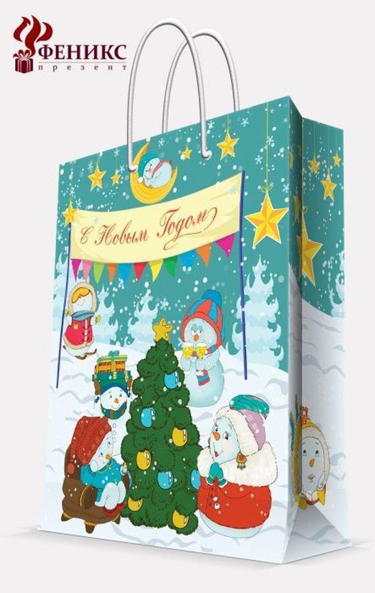 Пакет подарочный Magic Time Снеговики с елочкой, 26 х 32,4 х 12,7 см38564Подарочный пакет Magic Time Снеговики с елочкой, изготовленный из плотной бумаги, станет незаменимым дополнением к выбранному подарку. Пакет выполнен с глянцевой ламинацией, что придает ему прочность, а изображению - яркость и насыщенность цветов. Для удобной переноски на пакете имеются две ручки из шнурков. Подарок, преподнесенный в оригинальной упаковке, всегда будет самым эффектным и запоминающимся. Окружите близких людей вниманием и заботой, вручив презент в нарядном, праздничном оформлении. Плотность бумаги: 140 г/м2.