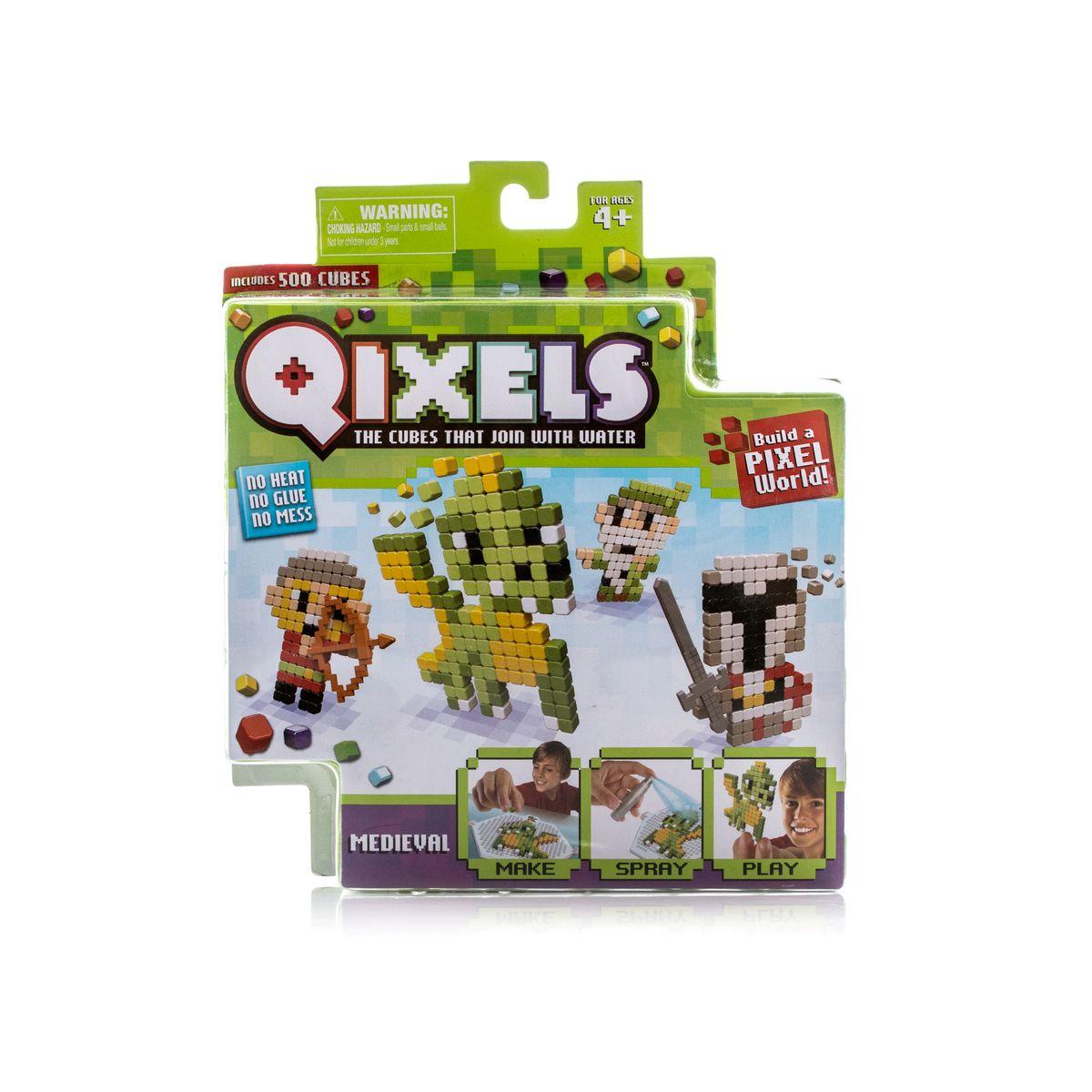 Qixels Мозаика СредневековьеQ87004Новинка осени 2016 года – набор для игр и творчества Qixels «Средневековье». Наборы для необычного и очень увлекательного хобби Qixels (Квикселс) – это миниатюрные разноцветные кубики, которые скрепляются с помощью обыкновенной воды! Создайте фигурку, смочите её водой и дождитесь полного высыхания. Всего через каких-то 30 минут Ваша фигурка будет готова и с ней можно играть как с обычной игрушкой! Игровой набор подойдет как для мальчиков, так и для девочек. Вы можете использовать готовые лекала, входящие в комплект набора или фантазировать на свободные темы! В комплект набора входит: 500 x кубиков 1 x дизайн лоток 4 x цветных дизайн лекала (для фигурок рыцаря, лучника, волшебника и дракона) 1 x опора 1 x база 2 x аксессуара 1 x бирка с нитью 1 x распылитель для воды 1 x инструкция