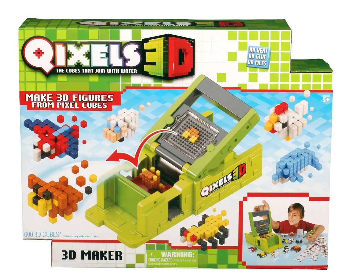 Qixels 3D Набор для творчества Машинка для создания 3D фигурок 3D ПринтерQ87053Набор для творчества Квикселс Машинка для создания 3D фигурок 3D Принтер – это совершенно новая уникальная возможность попробовать свои силы в создании объемных фигурок собственными руками. Квикселс – это маленькие разноцветные кубики, которые склеиваются друг с другом под воздействием самой обыкновенной воды. Создайте фигурку, обрызгайте её водой и дождитесь полного высыхания – всего через 30 минут Вы можете играть с готовой фигуркой как с обычной игрушкой. Игровой набор подойдет как для мальчиков, так и для девочек. Вы можете использовать готовые лекала, входящие в комплект набора или фантазировать на свободные темы! В комплект набора входит: 600 x 3D кубиков; 83 x дополнительных кубика; 1 x 3D принтер; 1 x резервуар для воды; 1 x съемный лоток; 1 x кисточка; 6 x дизайн лекал; 2 x бирки и нити; 1 x инструкция.
