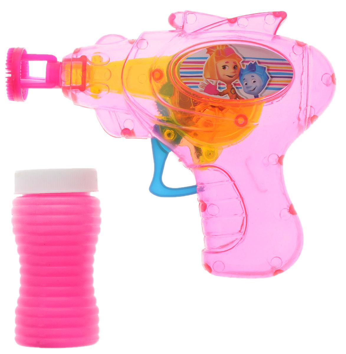 Веселая затея Набор для пускания мыльных пузырей Фиксики цвет розовый1504-0437_розовыйНабор для пускания мыльных пузырей Веселая затея Фиксики - это веселое развлечение для детей и взрослых. Вас ждет просто гигантская очередь мыльных пузырей! Для игры налейте мыльный раствор в крышку, опустите в нее кончик пистолета, поднимите в воздух и нажмите на курок. Вы увидите невероятное количество пузырей. Сопровождаться это будет световыми эффектами. Устройте малышу настоящее мыльное шоу! Работает игрушка от незаменяемых батареек.