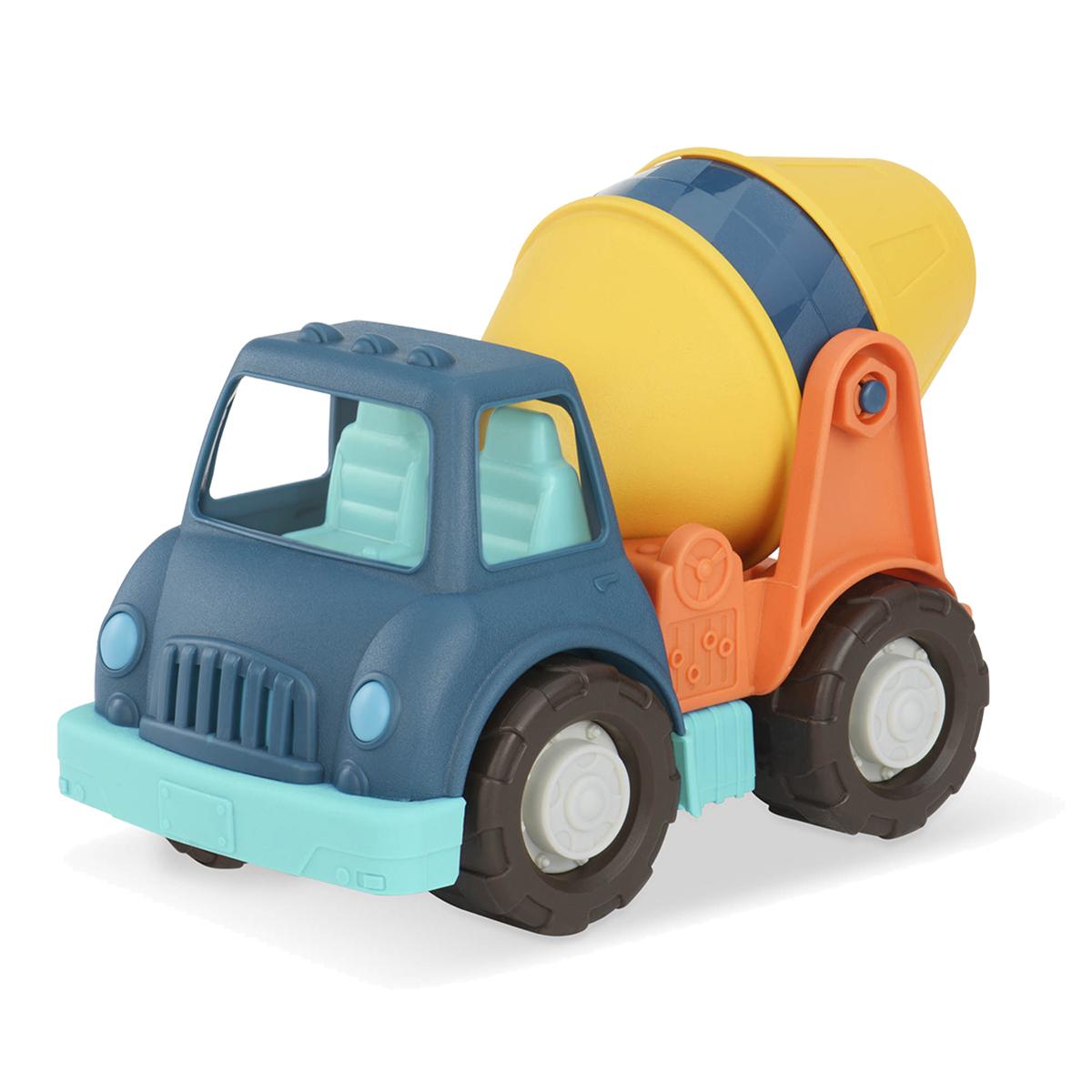 Wonder Wheels Грузовик-цементовоз68032Грузовик-цементовоз Wonder Wheels привлечет внимание вашего ребенка и станет его любимой игрушкой. Изделие выполнено из безопасного материала. Функциональность игрушки дает возможность ребёнку окунуться с головой в игровой процесс. А высокое качество игрушки позволяет наслаждаться любимой игрой в полной мере и в любое время года. Ваш маленький водитель увлеченно будет играть с машинкой, придумывая различные истории. Порадуйте его таким замечательным подарком!