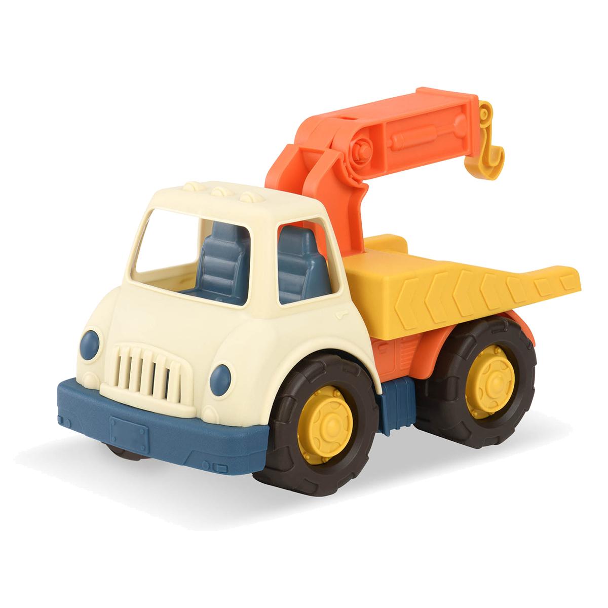Wonder Wheels Эвакуатор68033Эвакуатор Wonder Wheels привлечет внимание вашего ребенка и станет его любимой игрушкой. Изделие выполнено из безопасного материала. Функциональность игрушки дает возможность ребёнку окунуться с головой в игровой процесс. А высокое качество игрушки позволяет наслаждаться любимой игрой в полной мере и в любое время года. Ваш маленький водитель увлеченно будет играть с машинкой, придумывая различные истории. Порадуйте его таким замечательным подарком!