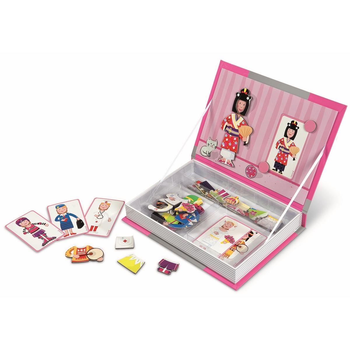 Janod Магнитная книга-игра Девочка в одеждахJ05546Внешне выглядит как толстая книга. Сделана из плотного толстого картона. Дизайн книги оформлен в соответствии с ее тематикой. Обложка книги открывается и с обратной стороны большая игровая картинка; внутри пространство, в котором по ячейкам лежат карточки с игровыми элементами. Карточки зрительно подсказывают ребенку, что нужно сделать. Находим нужный элемент и крепим его на картинку. Элементы игры - магнитные. Обложка книги самопроизвольно открыться не может, так как примагничивается к основному корпусу книги. Поэтому после игры все аккуратно остается внутри книги и можно убрать на полку. Рекомендуемый возраст от 3 до 8 лет.