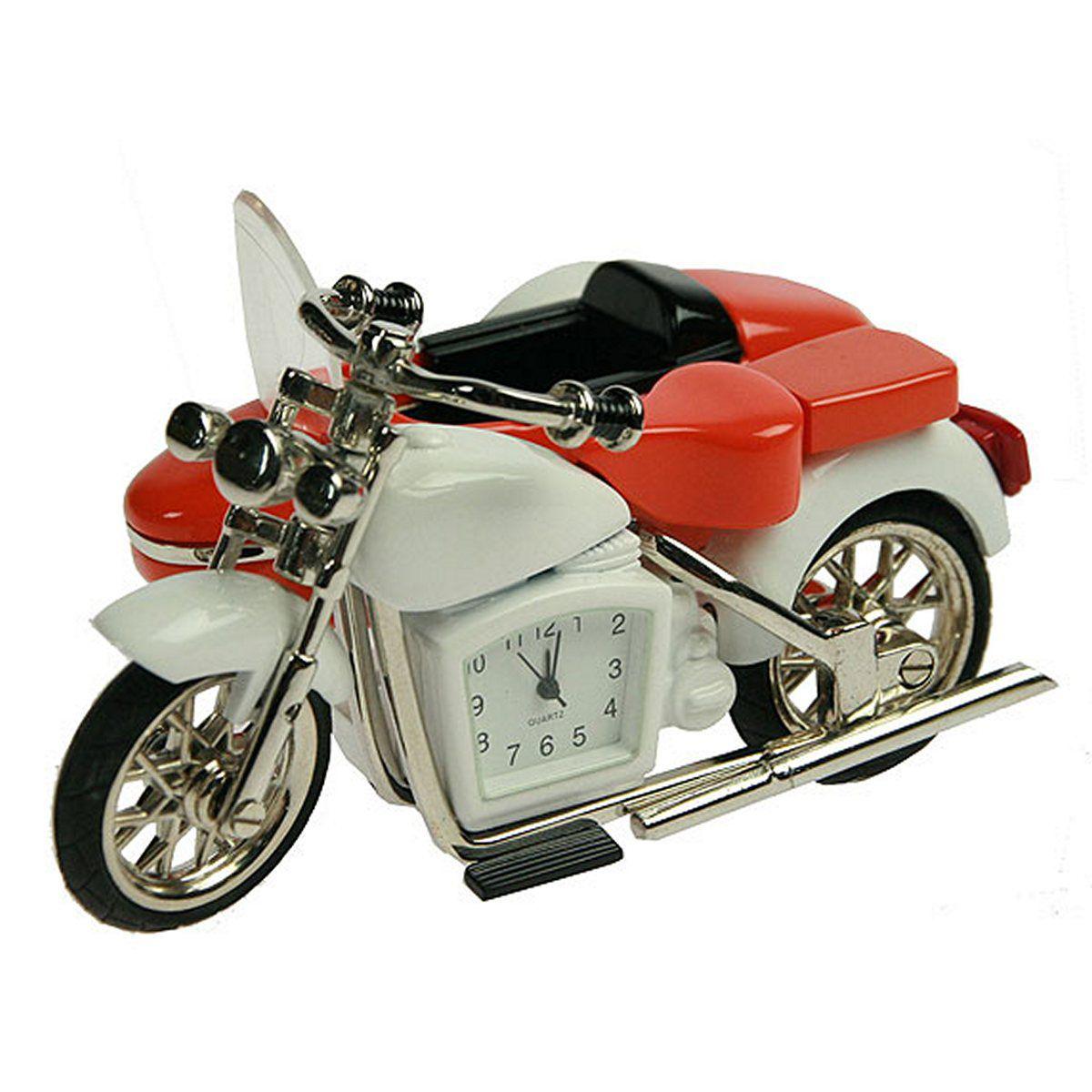 Часы настольные Русские Подарки Мотоцикл, 7 х 10 х 5 см. 2242522425Настольные кварцевые часы Русские Подарки Мотоцикл изготовлены из металла. Корпус оригинально оформлен в виде мотоцикла. Часы имеют три стрелки - часовую, минутную и секундную. Такие часы украсят интерьер дома или рабочий стол в офисе. Также часы могут стать уникальным, полезным подарком для родственников, коллег, знакомых и близких. Часы работают от батареек типа SR626 (в комплект не входят).