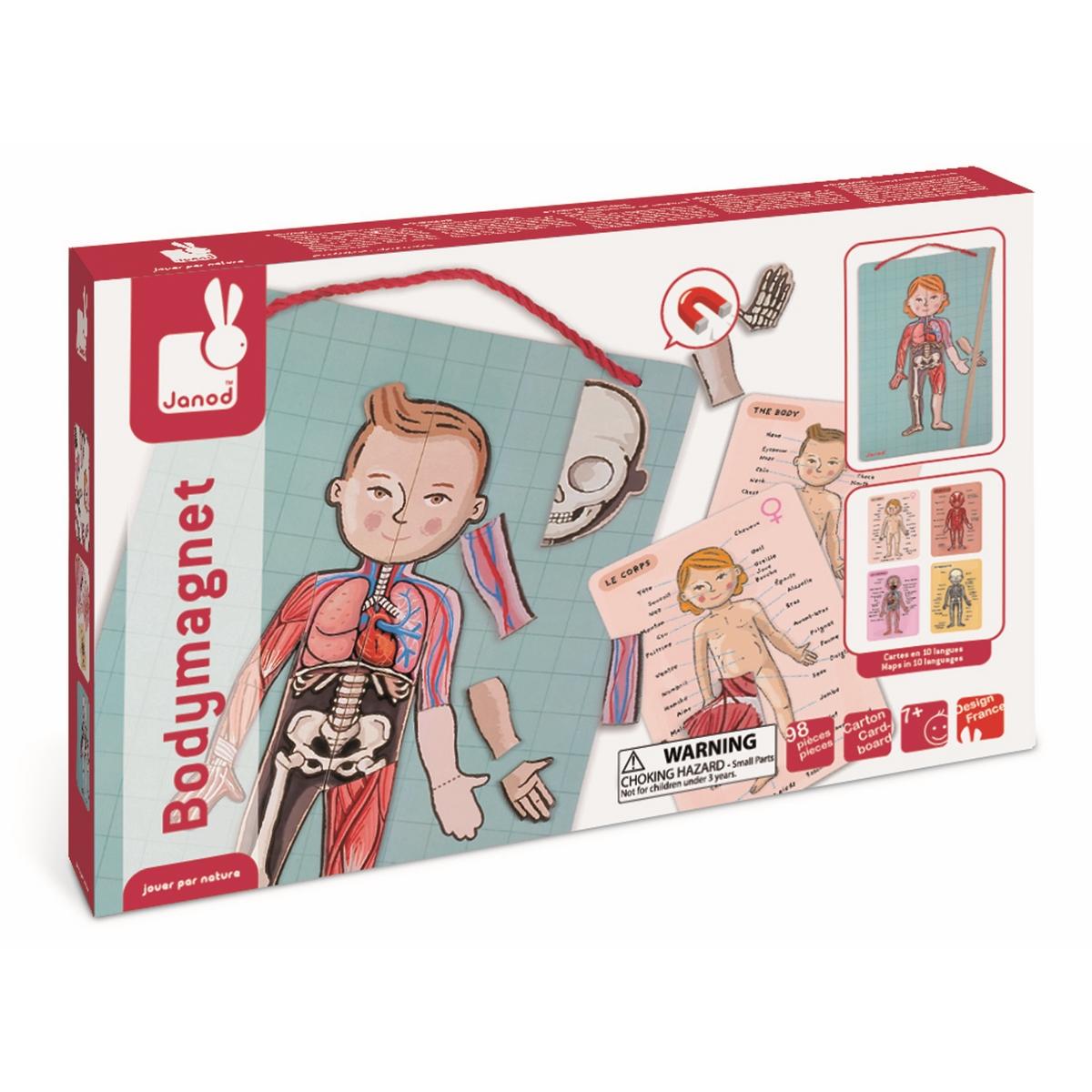 Janod Карточки-магниты Части телаJ05491Игра – самый действенный способ привить Вашему малышу определенные навыки и сделать из скучного процесса обучения интересное и веселое занятие. Игра магнитная Тело Все элементы набора выполнены из плотного высококачественного картона и снабжены специальными магнитами для соединения друг с другом. Основой является планшет, который можно повесить в детской комнате на стену. Для этого предусмотрен красный шнурок. Размер планшета 26 х 41,5 см. В комплект входят 18 карточек с надписями на 11 языках. Надписи поясняют изображение на схемах: внешнее строение человека, мышцы, внутренние органы, скелет. Кроме того, набор включает в себя 76 элементов с изображением внешнего и внутреннего строения человека. Так же прилагается деревянная указка. Ребенок расставляет элементы на планшете в соответствии с изображением на карточке. При этом он получает представление о строении тела человека, запоминает новые слова и понятия. А так же учит эти понятия на разных языках. Игры подобного рода развивают...