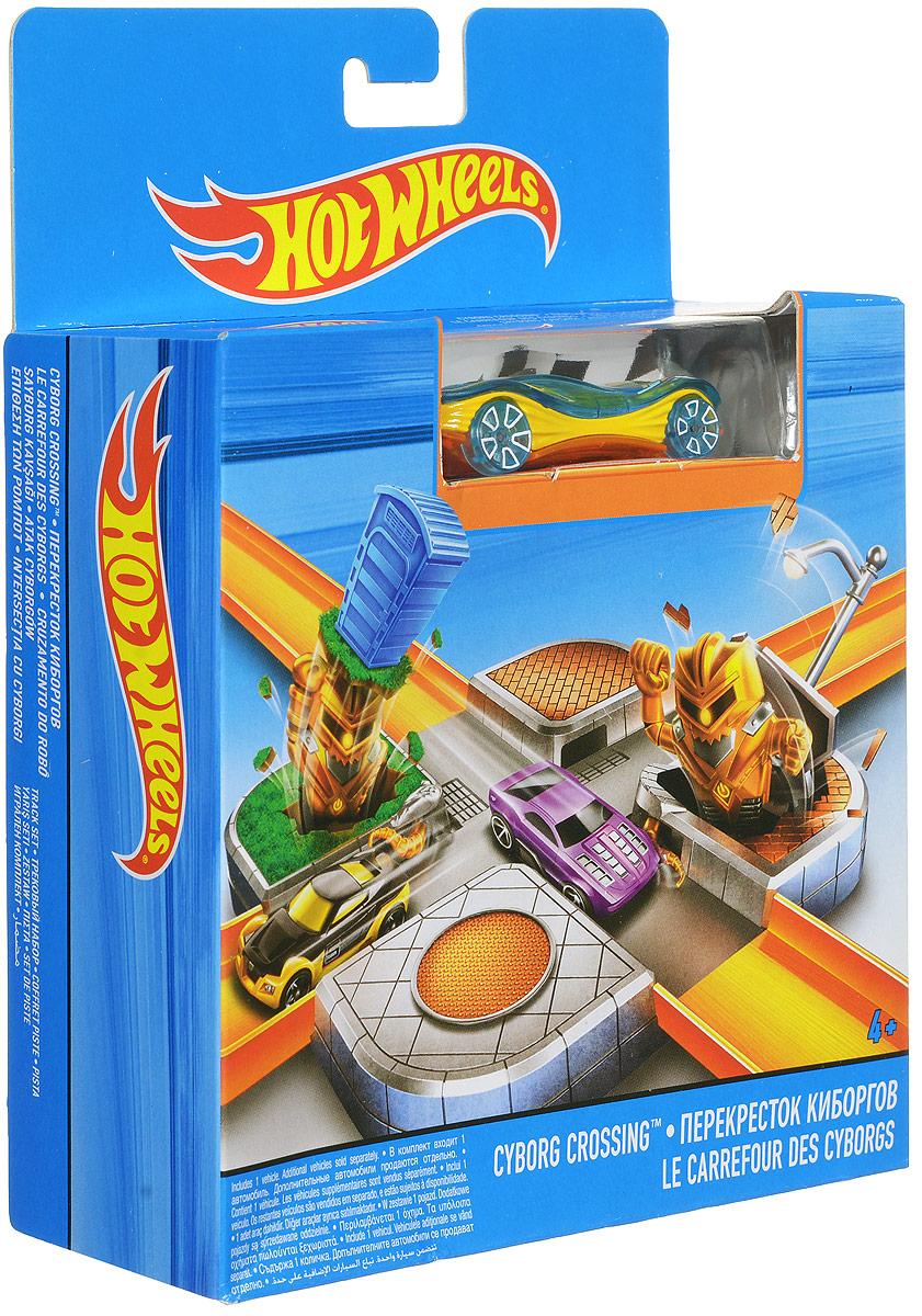 Hot Wheels City Игрушечный трек Перекресток роботовCDM44_CDM46Игрушечный трек Hot Wheels Перекресток роботов подходит для соединения с любыми базовыми треками Hot Wheels. Для этого в наборе имеются особые крепления. На участке находятся хитрые ловушки - выскакивающие по обеим сторонам киборги, которые могут помешать движению машин по треку. Один киборг выскакивает из-под фонаря, другой из-под будки. Вы получите немало адреналина во время игры, ведь такая погоня весьма интересна! В набор также включена одна машинка. Трек можно дополнить любыми базовыми машинками. Трек изготовлен из качественных и безопасных материалов.