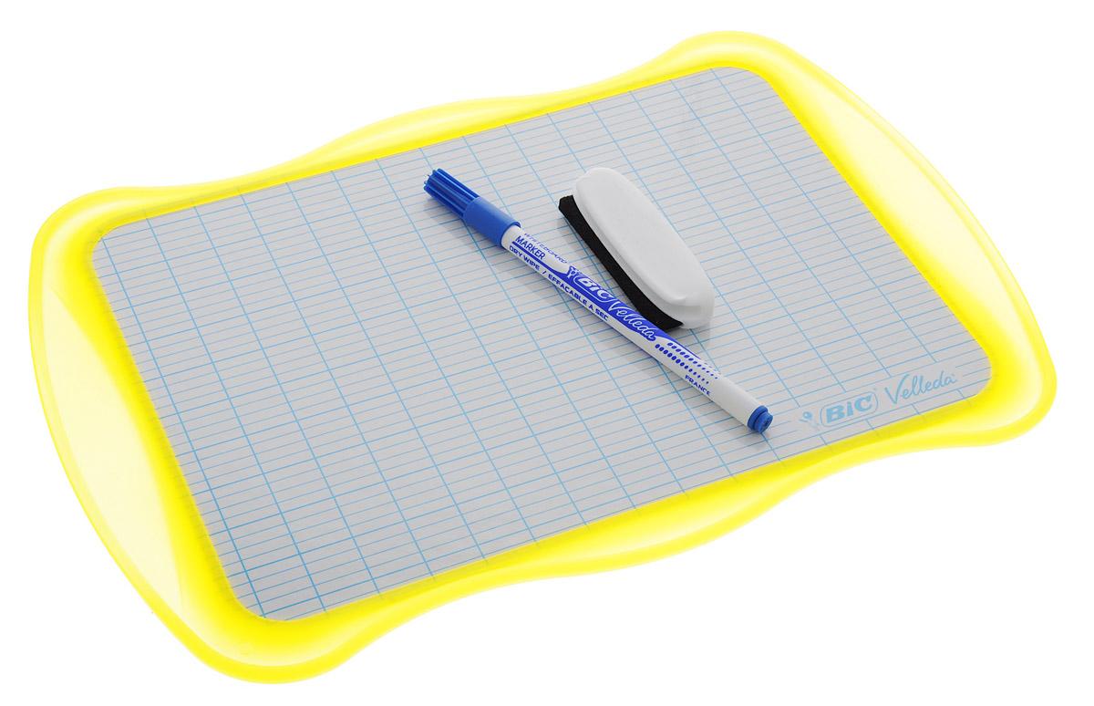 Bic Доска для рисования Velleda цвет желтыйB841362_желтыйДвухсторонняя доска для рисования Bic Velleda сделает занятия с ребенком энергичными, яркими и запоминающимися, ведь писать и рисовать на ней намного интереснее, чем в классической тетрадке. Доска выполнена из плотного и качественного материала. Одна сторона доски белая, другая разлинована в голубую линейку. Доска предназначена для многократного нанесения информации - достаточно стереть записи губкой, входящей в комплект. В комплект входит маркер синего цвета. Маркер крепится к доске с помощью специального держателя.