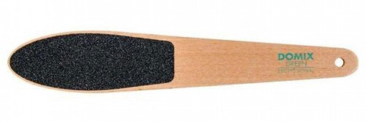 Domix Green Professional Терка абразивная педикюрная прямая двусторонняя616-106353Профессиональная двусторонняя деревянная терка для индивидуального педикюра DOMIX Green Professional применяется для быстрого и качественного удаления мозолей и натоптышей на стопе. Абразив на обеих сторонах терки имеет различную зернистость. Сторона с более крупной зернистостью необходима для первоначальной обработки кожи, более мелкий абразив применяется для завершающей стадии обработки.