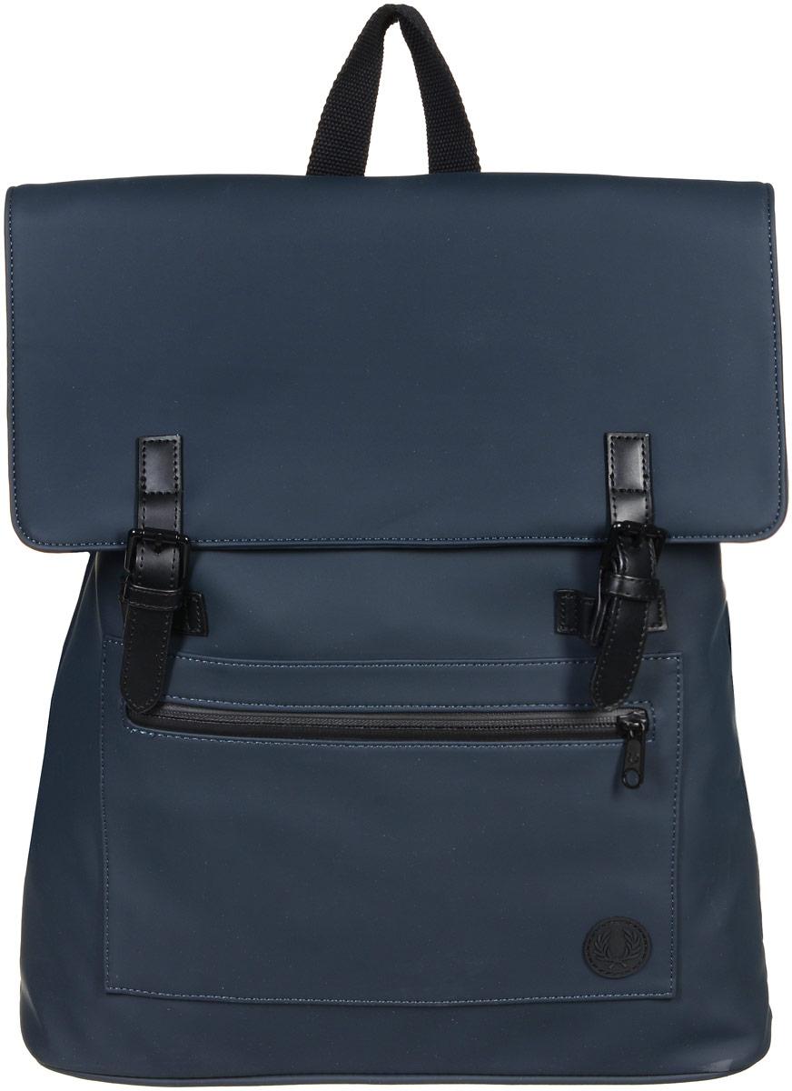 Рюкзак городской мужской Fred Perry Matte, цвет: темно-синий. L9215-608L9215-608Стильный мужской рюкзак Fred Perry Matte выполнен из полиуретана, ПВХ и полиэстера. Изделие имеет одно основное отделение, которое закрывается на клапан с ремешками на застежках-кнопках. Внутри расположен прорезной карман на застежке-молнии и накладной открытый карман. Снаружи, на передней стенке находится накладной карман на застежке-молнии, оформленный фирменной нашивкой. Рюкзак оснащен широкими регулирующими лямками и удобной ручкой для переноски в руках. Стильный рюкзак идеально подойдет для повседневного использования.