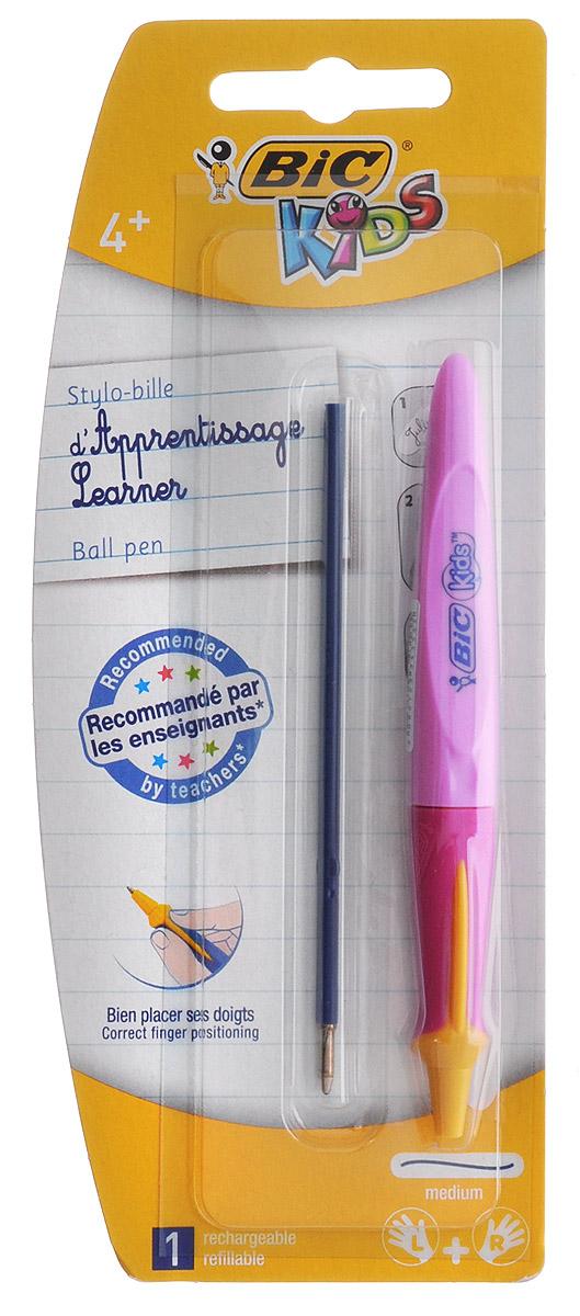 Bic Ручка шариковая Kids Twist цвет корпуса розовыйB919289_розовыйАвтоматическая шариковая ручка Kids Twist разработана специально для детей, обучающихся письму. Оригинальный яркий выпуклый край помогает правильно расположить ручку в руке. В ручке сменяемый стержень, выдвигающийся с помощью поворота корпуса. Подходит как правшам, так и левшам. Яркий цветной корпус поднимет настроение ребенка во время занятий. В комплекте ручка со стержнем и дополнительный стержень с синими чернилами.