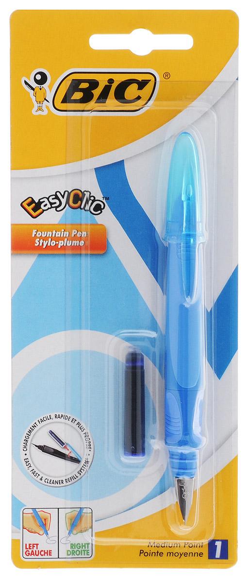 Bic Ручка перьевая Easy Click Classic цвет корпуса голубойB8479004_голубойПерьевая ручка Easy Click Classic в эргономичном пластиковом корпусе станет отличным подарком, как школьнику, так и взрослому человеку. Перо из стали обеспечивает равномерную подачу чернил. Стальной иридиевый пишущий узел позволяет чертить линии толщиной 0,5 мм. Ручка дополнена колпачком с удобным клипом. Ручка одинаково удобна для письма как левой, так и правой рукой. Ручка снабжена инновационной удобной системой замены картриджа. В комплекте с ручкой имеется картридж с синими чернилами.