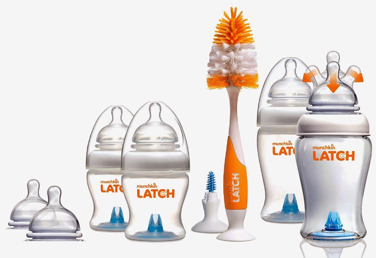 Munchkin Бутылочка в наборе11652Набор бутылочек для кормления и ершик для бутылочек и сосок Munchkin Latch; Набор бутылочек для кормления и ершик;для бутылочек и сосок Munchkin Latch - стартовый комплект каждой мамы новорожденного. Набор включает в себя 2 бутылочки по 240 мл, 2 бутылочки по 120 мл, 4 соски 0+, 2 соски 3+, ершик для бутылочек и сосок.; Новейшая разработка от Munchkin ;- эргономичная антиколиковая бутылочка с соской, максимально повторяющей форму материнской груди. Особое гибкое основание соски, напоминающее гармошку, позволяет держать бутылочку под углом, при этом ребенок комфортно себя чувствует во время кормления даже при смене положения тела. Усовершенствованный захват;широкое основание и форма соски обеспечивает правильный захват соски ребенком, что препятствует заглатыванию воздуха и снижает вероятность возникновения коликов Имитация материнской груди;соска с подвижным гибким основанием (наподобие гармошки) сжимается и растягивается, помогая ребенку сосать в естественном ритме. Правильно...
