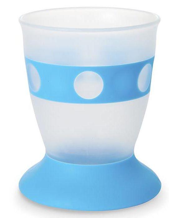 Munchkin Поильник Первый стаканчик 177 мл12328Первый стаканчик;Munchkin; Первый стаканчик;Munchkin позволит ребенку научиться пить самостоятельно, при этом вы можете не волноваться о том, что его содержимое расплескается. Специальное утяжеленное основание удержит стаканчик на месте и не позволит напитку пролиться. - утяжеленная основа уменьшает вероятность пролить напиток - благодаря силиконовой полоске в центре стаканчик удобно держать маленькими ручками - стаканчики легко ставятся друг на друга для удобства хранения;не содержит Бисфенол А - можно мыть в посудомоечной машине - возраст: от 18 месяцев - объем: 177 мл