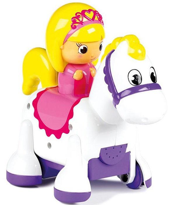 Tomy Развивающая игрушка (Е71898) Принцесса-всадникE71914-2Прекрасной принцессе не терпится встретиться с благородным рыцарем! когда малыш нажмет на голову принцессе, лошадка с всадником поскачет вперед, качая головой и забавно цокая в начале пути лошадка поприветствует малыша веселым ржанием, а после остановки забавно фыркнет как настоящая игрушка включается при помощи переключателя внизу лошадки Размеры упаковки: 29х20х7
