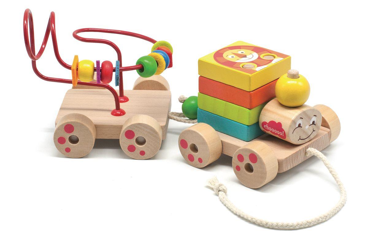 Мир деревянных игрушек Игрушка-каталка Паровозик Чух-Чух811Яркий, красочный игровой набор Паровозик Чух-Чух сделан из дерева. Состоит из паровозика-сортера и вагончика-лабаринта.Игрушка способствует развитию мелкой моторики рук, координации, логического и пространственного мышления, сенсорному восприятию, тренировке памяти и внимания.Сортер состоит из деревянного основания на 4-х колесах и веревочкой, на платформе расположены три штырька, два из которых используются для сбора 4-х разноцветных квадратиков с изображениями различных животных и птиц. Отдельно стоящий штырек предназначен для надевания овальной головы и шарика. Вагончик состоит из деревянного основания, на нем установлен лабиринт с детальками различной формы и цвета.