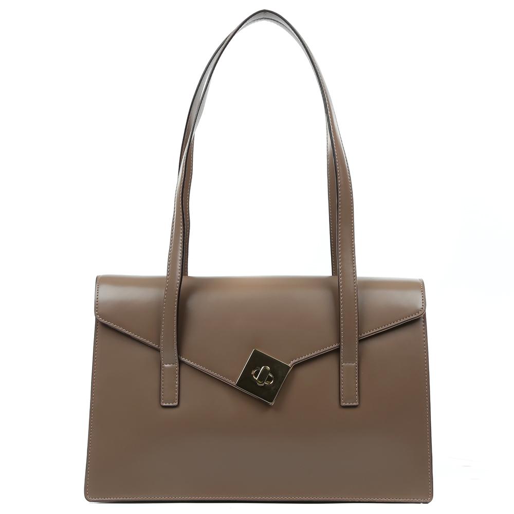 Сумка женская Leo Ventoni, цвет: светло-коричневый. 2300444923004449-khakiИзысканная сумка от итальянского бренда Leo Ventoni выполнена из натуральной плотной кожи, которая держит форму и имеет невероятно мягкую фактуру. Элегантный и нежный бежевый цвет, лаконичный простой дизайн и фурнитура в золотом цвете превращают модель в модный аксессуар, который придется по вкусу любительницам классического стиля. Сумка имеет одно вместительное отделение, закрывающееся на удобный замок. Внутри сумки вы с легкостью сможете расположить свой сотовый телефон и другие женские мелочи с помощью карманов. Модель вмещает формат A4.