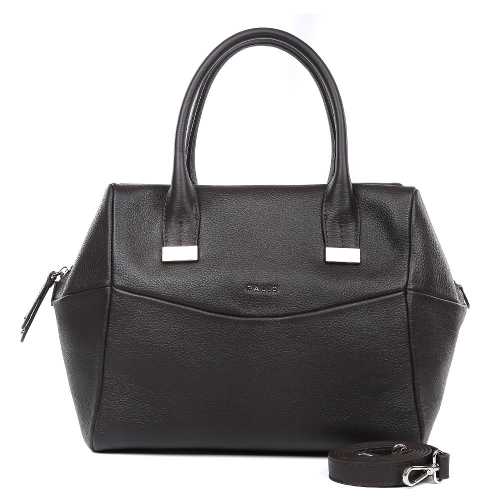 Сумка женская Palio, цвет: коричневый. 14659A1-77814659A1-778 brownСтильная сумка от итальянского бренда Palio выполнена из натуральной плотной кожи, которая держит форму и имеет мягкую фактуру. Если вы любите роскошный, но не вычурный стиль, эта модель создана специально для вас. Кофейный цвет, изящные тонкие ручки, лаконичный дизайн- все это придаст любому образу нотки элегантности и делового шика. Фурнитура выполненная в серебряном цвете и стальные поводки завершают дизайн модели, делая его ультрасовременным и женственным. Сумка имеет одно вместительное отделение, которое вмещает папки формата A4. Внутри аксессуара вы с легкостью расположите свой сотовый телефон и другие женские мелочи за счет удобных карманов. На тыльной стороне дизайнеры разместили вместительный карман, который закрывается на стильную молнию с кожаным поводком. В комплекте аксессуар имеет тонкий кожаный ремешок, с помощью которого, вы сможете стать самой неотразимой и стильной в любой компании.