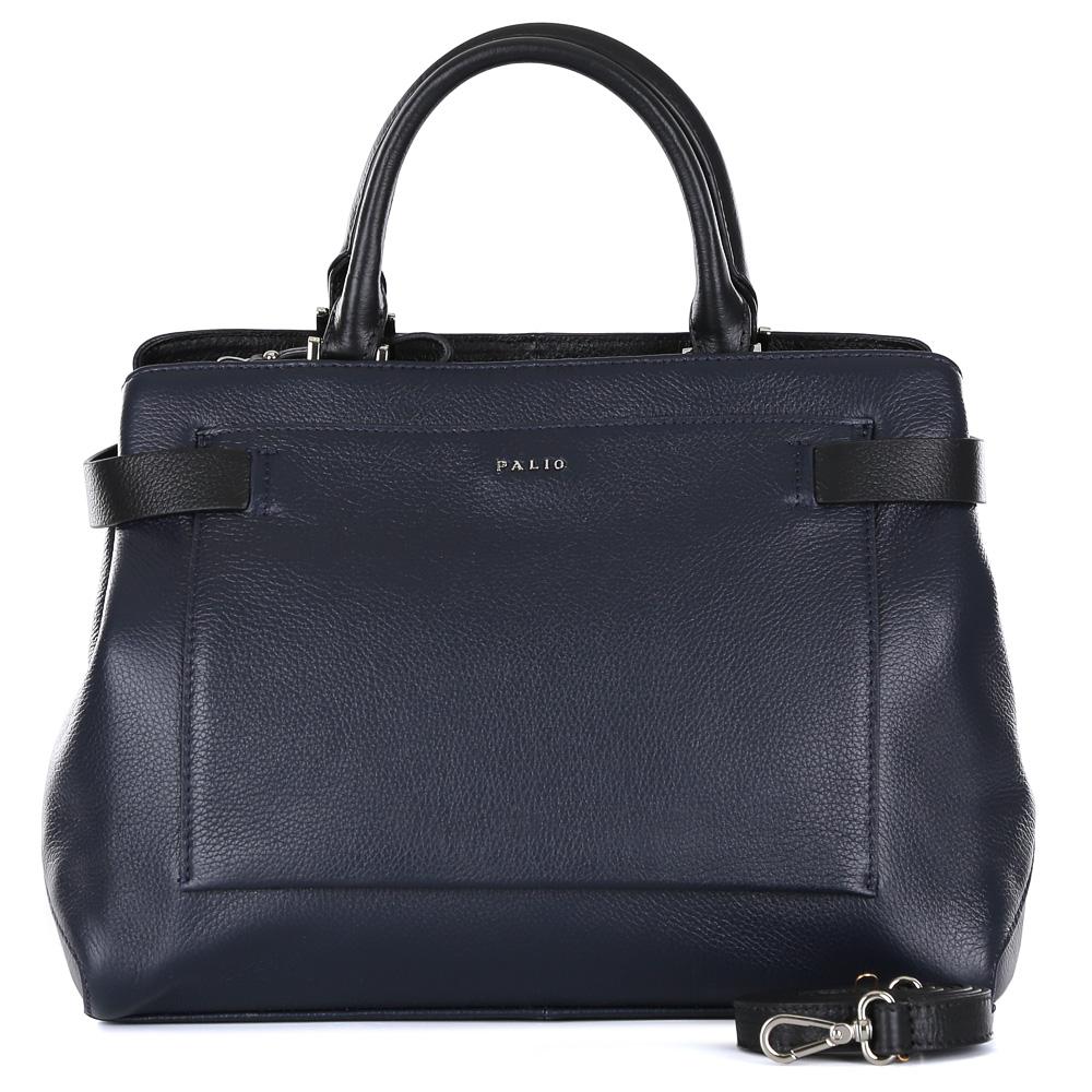 Сумка женская Palio, цвет: синий. 14700A1-W2-819/01814700A1-W2-819/018 blueКлассическая женская сумка от итальянского бренда Palio выполнена из натуральной плотной кожи, которая держит форму и имеет мягкую фактуру. Дизайнерская комбинация модного темно-синего оттенка и черного цвета придают изделию неповторимую изысканность и элегантность. Тонкие ручки, фурнитура выполненная в серебре, вместительный карман на магнитной застежке превращают сумку в изящный и стильный аксессуар, который подойдет, как для повседневных, так и для деловых образов. На тыльной части сумки дизайнеры расположили удобный карман на молнии с кожаным поводком. Сумка имеет одно внутреннее отделение, которое разделяется карманом на два глубоких отсека. Дизайнеры позаботились и об удобстве аксессуара: на внутренних боковых стенках они разместили карманы для различных женских мелочей. Изделие вмещает документы и папки формата A4.