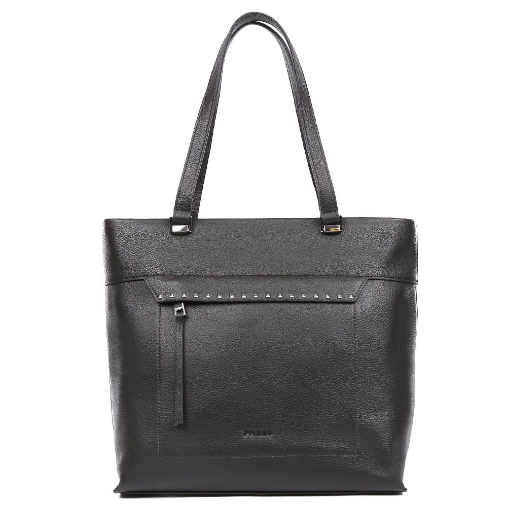 Сумка женская Palio, цвет: коричневый. 14533A1-W1-778/77814533A1-W1-778/778 brownЭлегантная женская сумка от итальянского бренда Palio выполнена из натуральной плотной кожи, которая держит форму и имеет мягкую фактуру. Темно-кофейный цвет, прочные ручки и стильный лицевой карман, украшенный гвоздиками-хольнитенами подойдут под любой современный образ и подчеркнут ваш женственный и неповторимый стиль. Сумка имеет одно внутреннее отделение, которое разделяется карманом на два глубоких отсека. Дизайнеры позаботились и об удобстве аксессуара: на внутренних боковых стенках они разместили карманы для различных женских мелочей. На тыльной части сумки расположено отделение, которое закрывается на молнию со стильным кожаным поводком. Аксессуар свободно вмещает папки и документы формата A4.