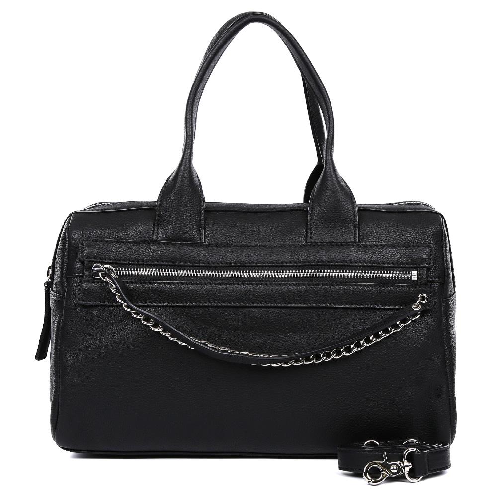 Сумка женская Leo Ventoni, цвет: черный. 2300444423004444-neroСтильная сумка от итальянского бренда Leo Ventoni выполнена из натуральной плотной кожи, которая держит форму и имеет невероятно мягкую и пористую фактуру. Классический и насыщенный синий цвет, элегантные цепочки в серебряном цвете, кожаные поводки придадут вашему образу нотки изысканности, а также подчеркнут ваш неповторимый вкус. Сумка имеет одно вместительное отделение, которое закрывается на молнию. Внутри сумки вы с легкостью сможете расположить свой сотовый телефон и другие женские мелочи с помощью удобных и вместительных карманов. Модель не вмещает формат A4, в комплекте имеется наплечный ремень, с помощью которого вы станете самой стильной в любой компании.