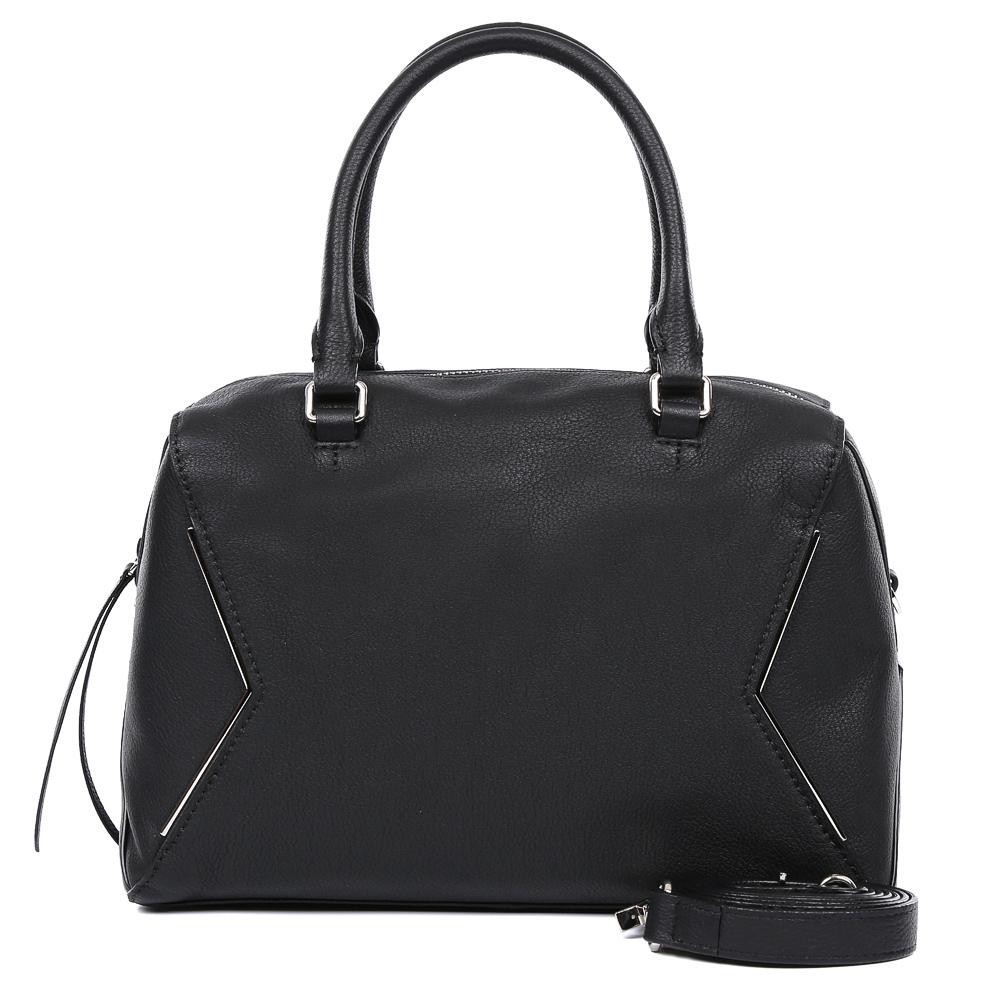 Сумка женская Leo Ventoni, цвет: черный. 2300442023004420-neroМодная сумка от итальянского бренда Leo Ventoni выполнена из натуральной плотной кожи, которая держит форму и имеет невероятно мягкую пористую фактуру. Классический черный цвет, элегантный геометрический дизаай, выполненный в серебряном цвете, и и стильные кожаные поводки придадут вашему образу нотки изысканности, а также подчеркнут ваш неповторимый вкус. Сумка имеет одно вместительное отделение, которое закрывается на молнию. Внутри сумки вы с легкостью сможете расположить свой сотовый телефон и другие женские мелочи с помощью удобных и вместительных карманов. Модель не вмещает формат A4, в комплекте имеется наплечный ремень, с помощью которого аксессуар можно носить на плече.