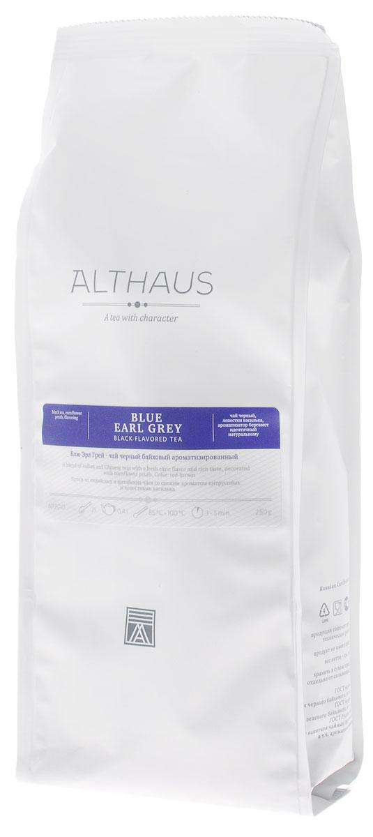 Althaus Blue Earl Grey черный листовой чай, 250 гTALTHL-L00090Althaus Блю Эрл Грей — необычная вариация на тему традиционного купажа Эрл Грей, составленного на основе крепких цейлонских и индийских чаев с добавлением душистого масла бергамота. В этой уникальной композиции классическая строгость черного чая гармонично сочетается со свежим цитрусовым ароматом и смягчается тонкими цветочными нотками утреннего василька. В элегантном купаже Блю Эрл Грей чаинки отличаются красивой уборкой, а их глубокий, темный цвет выразительно оттеняется изящными лепестками небесно-синего василька. Бергамотовое масло — это ароматическое масло, получаемое из цедры особой цитрусовой культуры. Эфирные масла апельсина-бергамота по-новому раскрывают насыщенный вкус чая. В чайном букете появляются пряная сладость и свежесть апельсиновой рощи, пикантная лимонная кислинка и неповторимая яркость послевкусия. Оптимальная температура заваривания Блю Эрл Грей 95°С. Температура воды: 85-100 °С Время заваривания: 3-5 мин Цвет в чашке:...
