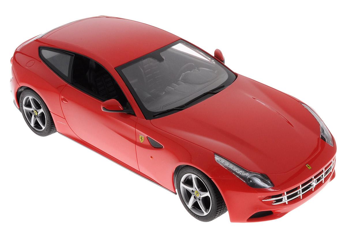 Rastar Радиоуправляемая модель Ferrari FF цвет красный масштаб 1:1447400Если вы хотите почувствовать настоящую скорость, плавность и грациозность, то радиоуправляемая модель Rastar Ferrari FF обязательно придется вам по душе! Это автомобиль известной марки с проработкой всех деталей, удивляющий приятным качеством и видом. Машина является точной копией настоящего автомобиля в масштабе 1:14. Радиоуправляемая модель оснащена прорезиненными шинами, что обеспечивает отличное сцепление с полом. Модель движется вперед-назад, поворачивает направо-налево, останавливается. Имеются световые эффекты. Пульт управления работает на частоте 27 MHz. Модель автомобиля работает от 5 батареек напряжением 1,5V типа АА (не входят в комплект). Пульт управления работает от 1 батарейки напряжением 1,5V типа Крона (не входит в комплект).