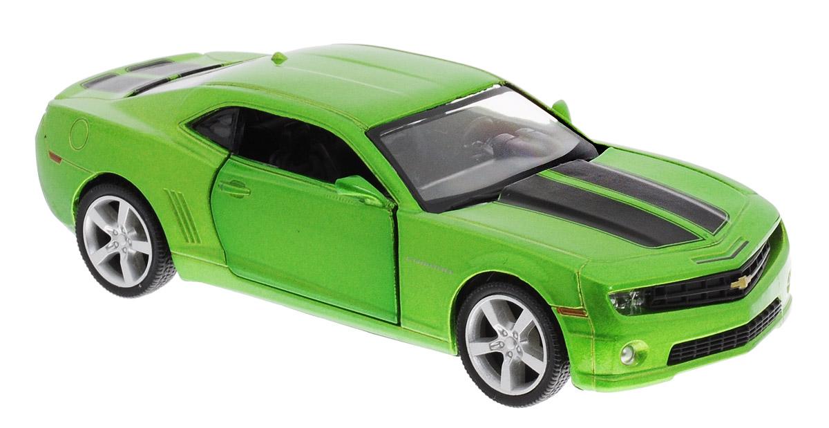 Uni-Fortune Toys Модель автомобиля Chevrolet Camaro цвет зеленый металлик554005Z(F)Chevrolet Camaro - одна из наиболее актуальных моделей, которая за счет безупречного качества сборки и интересного дизайна пользуется хорошим спросом. Модель автомобиля Uni-Fortune Toys Chevrolet Camaro будет отличным подарком как ребенку, так и взрослому коллекционеру. Благодаря броской внешности и великолепной точности машинка станет подлинным украшением любой коллекции авто. Модель выполнена в масштабе 1/32. Модель будет долго служить своему владельцу благодаря металлическому корпусу с элементами из пластика. Двери машины открываются. Машинка оснащена инерционным механизмом. Автомобиль необходимо отвести назад, затем отпустить - и он быстро поедет вперед. Шины обеспечивают отличное сцепление с любой поверхностью пола. Модель автомобиля обязательно понравится вашему ребенку и станет достойным экспонатом любой коллекции.
