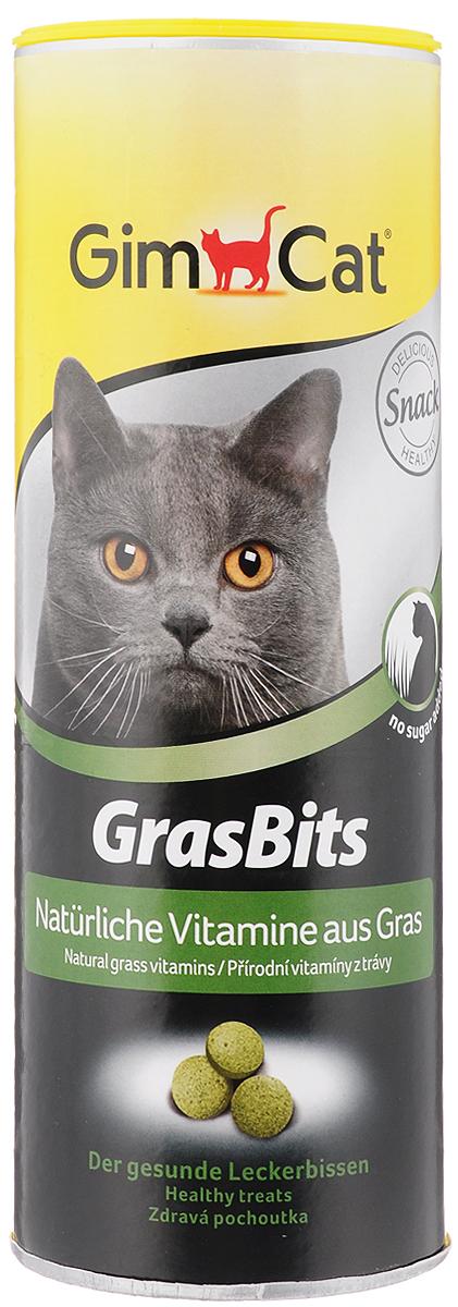 Лакомство для кошек GimCat GrasBits, с травой, 425 г417080Лакомство для кошек GimCat GrasBits - исключительно вкусное лакомство с высоким содержанием натуральной травы. Трава - это поставщик питательных и активных веществ, таких как аминокислоты, минералы, микроэлементы и витамины. В качестве источника натуральных витаминов таблетки GrasBits поддержат здоровье и прекрасное самочувствие вашей кошки на всех стадиях ее жизни. Витаминизированные лакомства GrasBits - не только прекрасная замена натуральной травы, но и необходимая ежедневная добавка к питанию вашей кошки. Ни одна кошка не сможет сопротивляться аромату GrasBits. Количество таблеток: 708 шт. Товар сертифицирован.