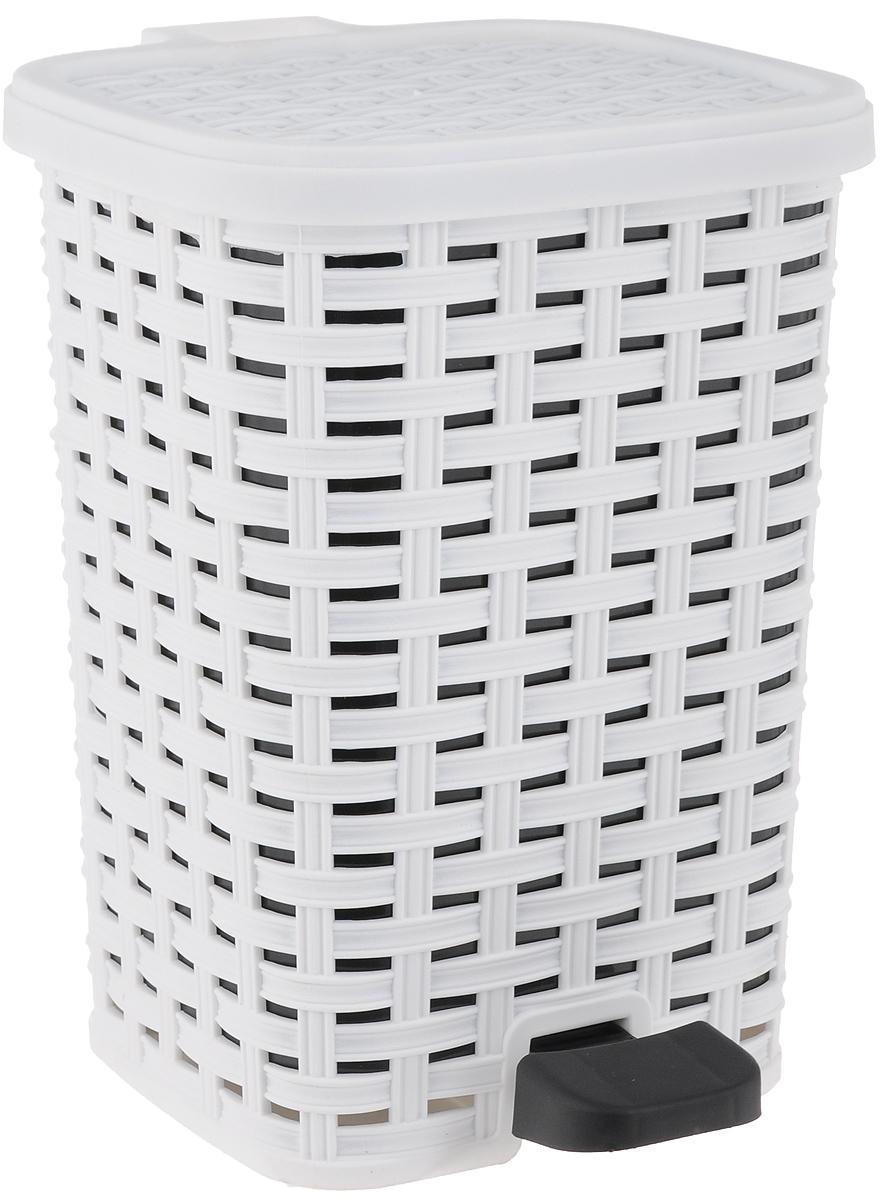 Ведро для мусора Dunya Plastik Раттан, с педалью, цвет: белый, черный, 6 л1052Ведро для мусора Dunya Plastik Раттан, выполненное из прочного пластика под плетение, поможет держать мелкий мусор в порядке и предотвратит распространение неприятного запаха. Откидная пластиковая крышка открывается и закрывается при помощи педали. Внутри расположена съемная емкость, что обеспечивает легкую чистку и гигиеничность. Такое ведро не только поможет аккуратно хранить мусор, но и стильно дополнит интерьер дома, офиса или кабинета.
