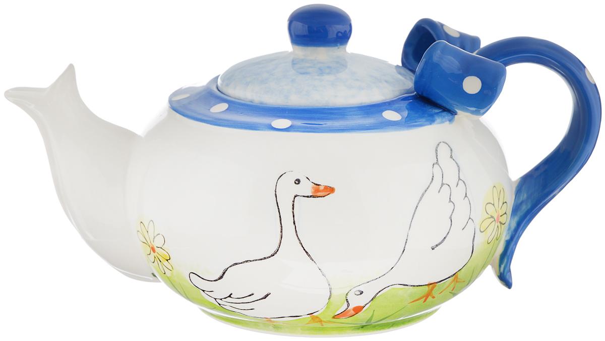 Чайник заварочный Lillo Гуси, 950 мл4601137019093Заварочный чайник Lillo Гуси сочетает в себе изысканный дизайн с максимальной функциональностью. Чайник выполнен из высококачественной керамики. Ручка чайника оформлена объемным бантиком, а сам чайник - оригинальным рисунком. Красочность оформления придется по вкусу и ценителям классики, и тем, кто предпочитает утонченность и изысканность. Объем: 950 мл. Диаметр (по верхнему краю): 14,5 см. Высота (без учета крышки): 9 см.