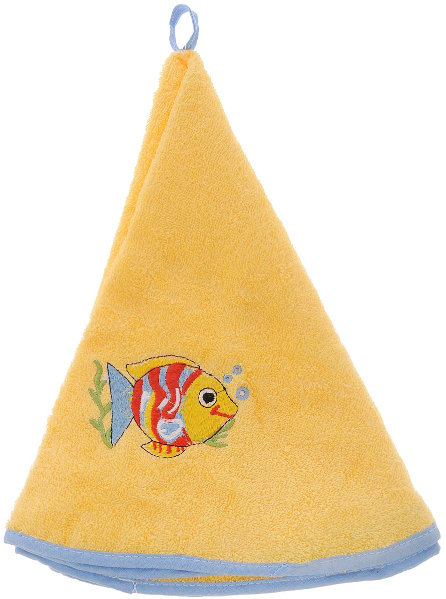Полотенце кухонное Soavita Рыбки, цвет: желтый, диаметр 70 см48812Круглое полотенце Soavita Рыбки выполнено из 100% хлопка. Изделие отлично впитывает влагу, быстро сохнет, сохраняет яркость цвета и не теряет форму даже после многократных стирок. Полотенце очень практично и неприхотливо в уходе. Оно создаст прекрасное настроение и украсит интерьер. Диаметр полотенца: 70 см.