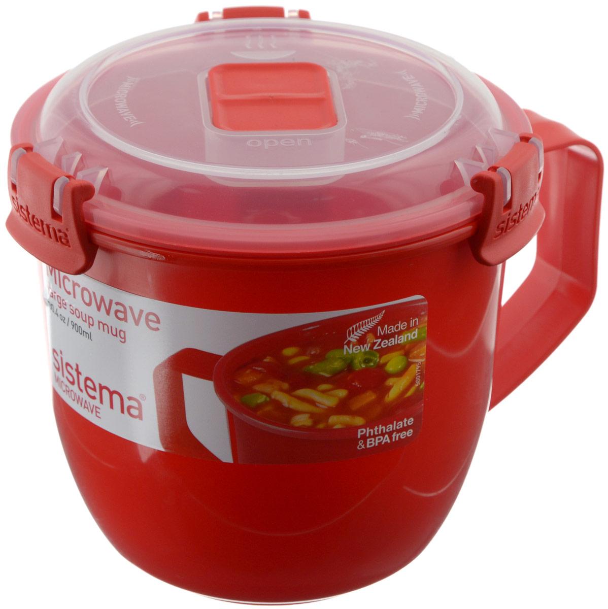Кружка суповая Sistema Microwave, цвет: красный, 900 мл1141Кружка суповая Sistema Microwave создана для людей ведущих активный образ жизни. Кружка, с надежной защитой от протечек, позволит взять с собой горячий суп на пикник, в офис или в поездку. На крышке имеется силиконовая прокладка, который способствует герметичному закрыванию. Контейнер оснащен фиксирующимися зажимами – клипсами, которые при необходимости можно заменить. Можно мыть в посудомоечной машине. Объем кружки: 900 мл.