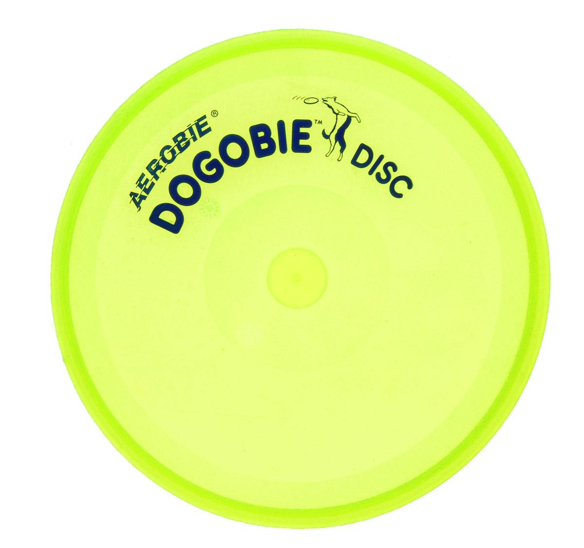 Диск летающий Aerobie Dogobie, цвет: салатовый261_салатовыйЛетающий диск Aerobie Dogobie специально разработан для ваших четвероногих любимцев. Теперь вы можете не волноваться за их зубы и десны. Материал, из которого созданы этот диск, легок, эластичен, но удивительно прочен. Его очень сложно прокусить или порвать. Кроме того, специалисты компании сумели сохранить летные качества присущие всем дискам данной фирмы. Его концы в форме спойлера позволят бросить диск на большую дистанцию и ребенку, и взрослому. Диск станет прекрасным дополнением к вашим прогулкам в парке или на пляже. Яркий цвет не даст диску утонуть и не потеряется, а игра с диском доставит вам и вашему питомцу просто море удовольствия. Диаметр диска: 20,5 см. Высота диска: 1,5 см.