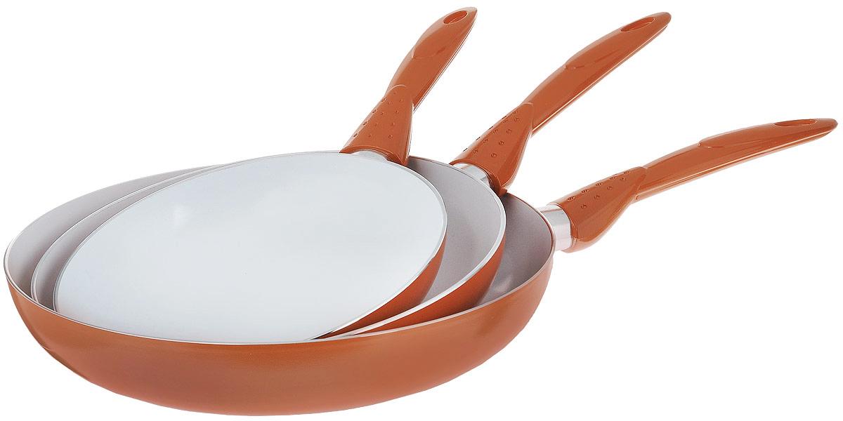 Набор сковородок Travola, с керамическим покрытием, 3 предметаLJ-TC003AНабор Travola состоит из 3 сковородок разного диаметра, изготовленных из высококачественного алюминия с внутренним керамическим покрытием. С таким покрытием пища не пригорает и посуда легко моется. Благодаря прочному дну происходит идеальное и равномерное распределение тепла. Сковороды имеют удобные ручки, изготовленные из высококачественного пластика. Подходят для газовых, электрических и стеклокерамических плит. Не пригодны для индукционных плит. Можно мыть в посудомоечной машине. Диаметр большой сковороды (по верхнему краю): 28 см. Высота стенки большой сковороды: 5,5 см. Длина ручки большой сковороды: 19 см. Диаметр средней сковороды (по верхнему краю): 24 см. Высота стенки средней сковороды: 4,5 см. Длина ручки средней сковороды: 18,5 см. Диаметр малой сковороды (по верхнему краю): 20 см. Высота стенки малой сковороды: 4 см. Длина ручки малой сковороды: 15,5 см. * Победитель номинации «Лучшая...