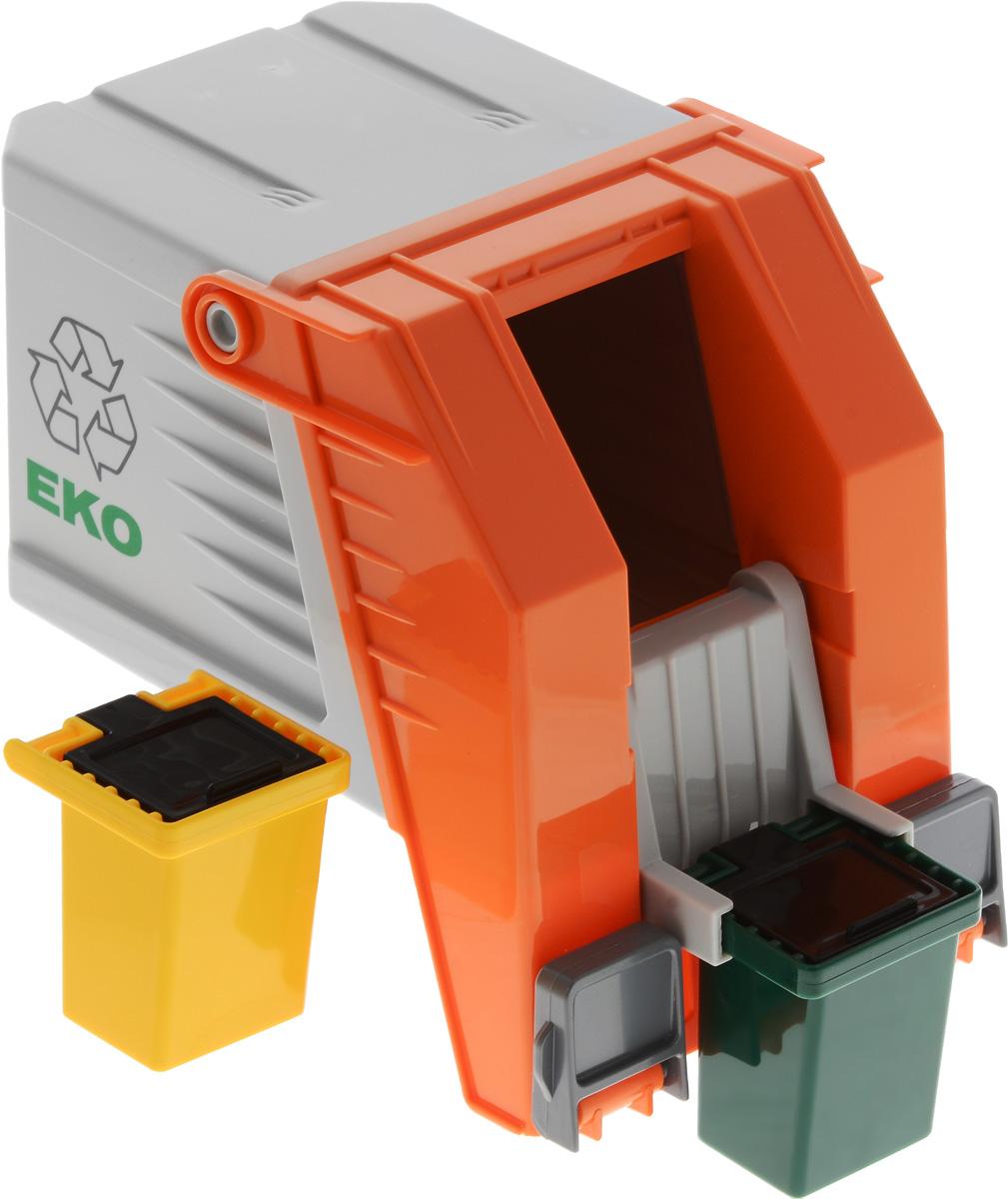 MultiGo Кузов мусоровоза27118Современный кузов мусоровоза MultiGo предлагает 2 варианта опрокидывания и подножки для установки фигурок из мира MultiGo. Два мусорных бака с открывающимися крышками включены в набор. Специальная система MultiGo позволяет детям легко менять и добавлять различные игровые аксессуары. Одна игрушка легко преобразуется в другую. Основание грузовиков является базой, на которую могут крепиться различные игровые элементы.