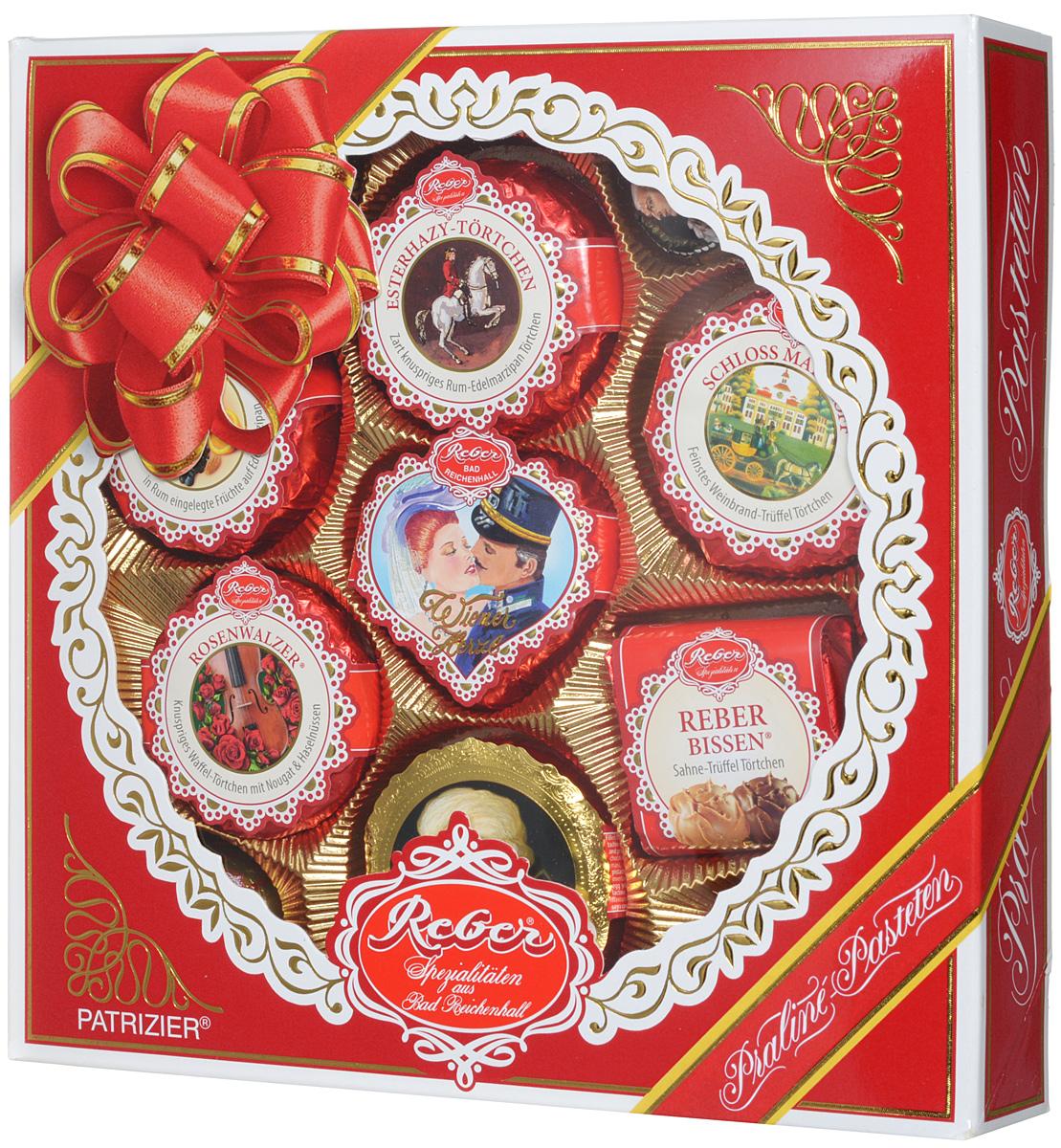 Reber Mozart Patrizier подарочный набор шоколадных конфет, 340 г1410104/1Шоколадные конфеты Reber Mozart Patrizier - это не просто конфеты, это настоящие кондитерские шедевры. Впервые конфеты Ребер Моцарт были выпущены в 1890 году, через 100 лет после смерти великого Моцарта, и сразу завоевали невероятную популярность. Известные своим исключительным качеством, оригинальностью и изысканным дизайном, шоколадные деликатесы Reber в форме небольших подарочков - это настоящие драгоценности для ценителей.