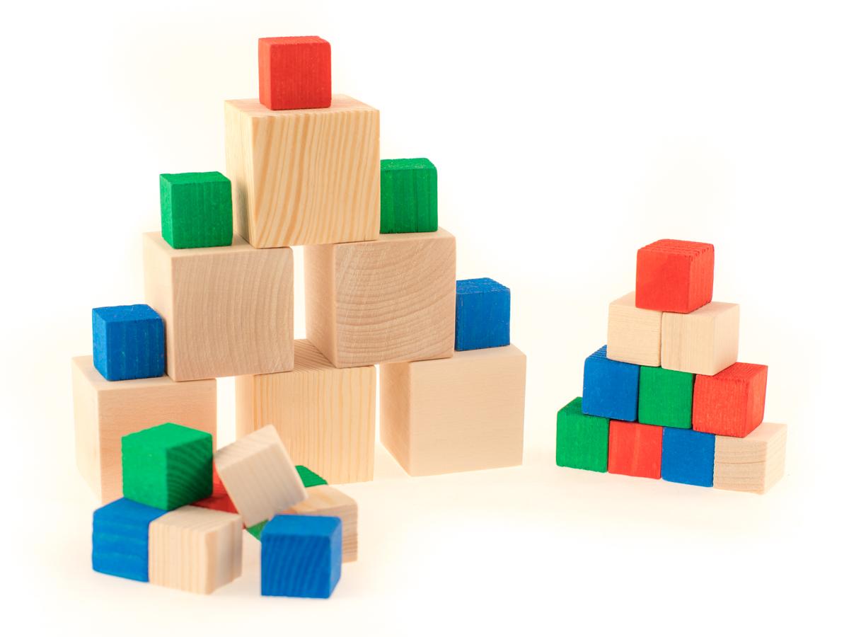 Развивающие деревянные игрушки Кубики Счетный материал Д018бД018бСчетный материал из натурального дерева — классическое пособие для изучения счета, цифр, сложения и вычитания, а также таких понятий как «больше-меньше», доли, «часть-целое». Набор развивают мелкую моторику. Набор можно использовать как конструктор, который поможет развить ребенку пространственное мышление, творческие способности. Такие игры-пособия, как набор счетного материала из натурального дерева, помогают детям тренировать усидчивость, изучать цвета, геометрические фигуры и формы, получить базовые знания об окружающем мире, вещах и предметах. Игрушки тренируют ловкость и точность рук, стимулируют развитие умственных и логических способностей у детей, подготавливают руку к письму.